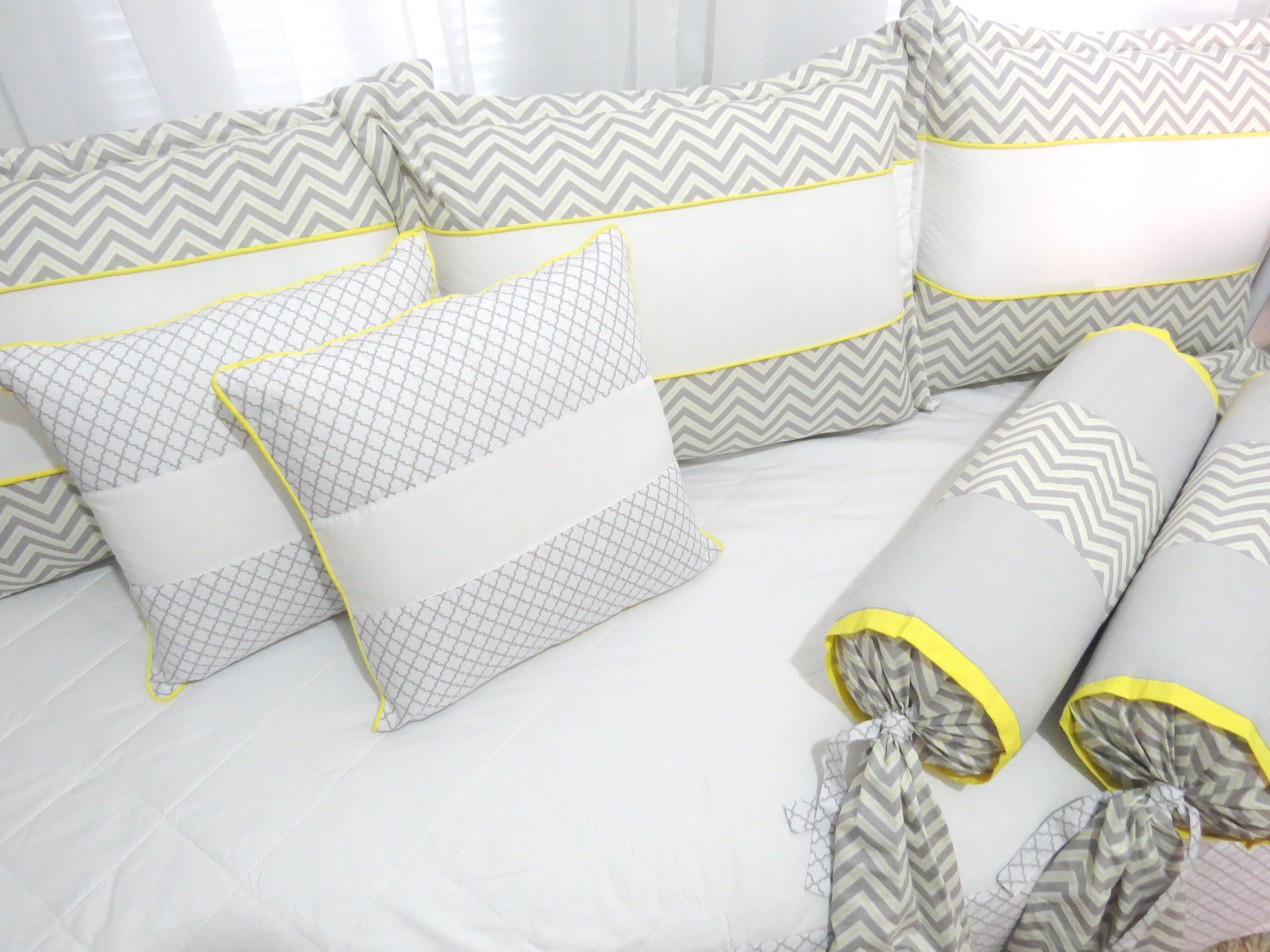 fd48d8c44a Kit Cama da Babá Balão Amarelo e Cinza