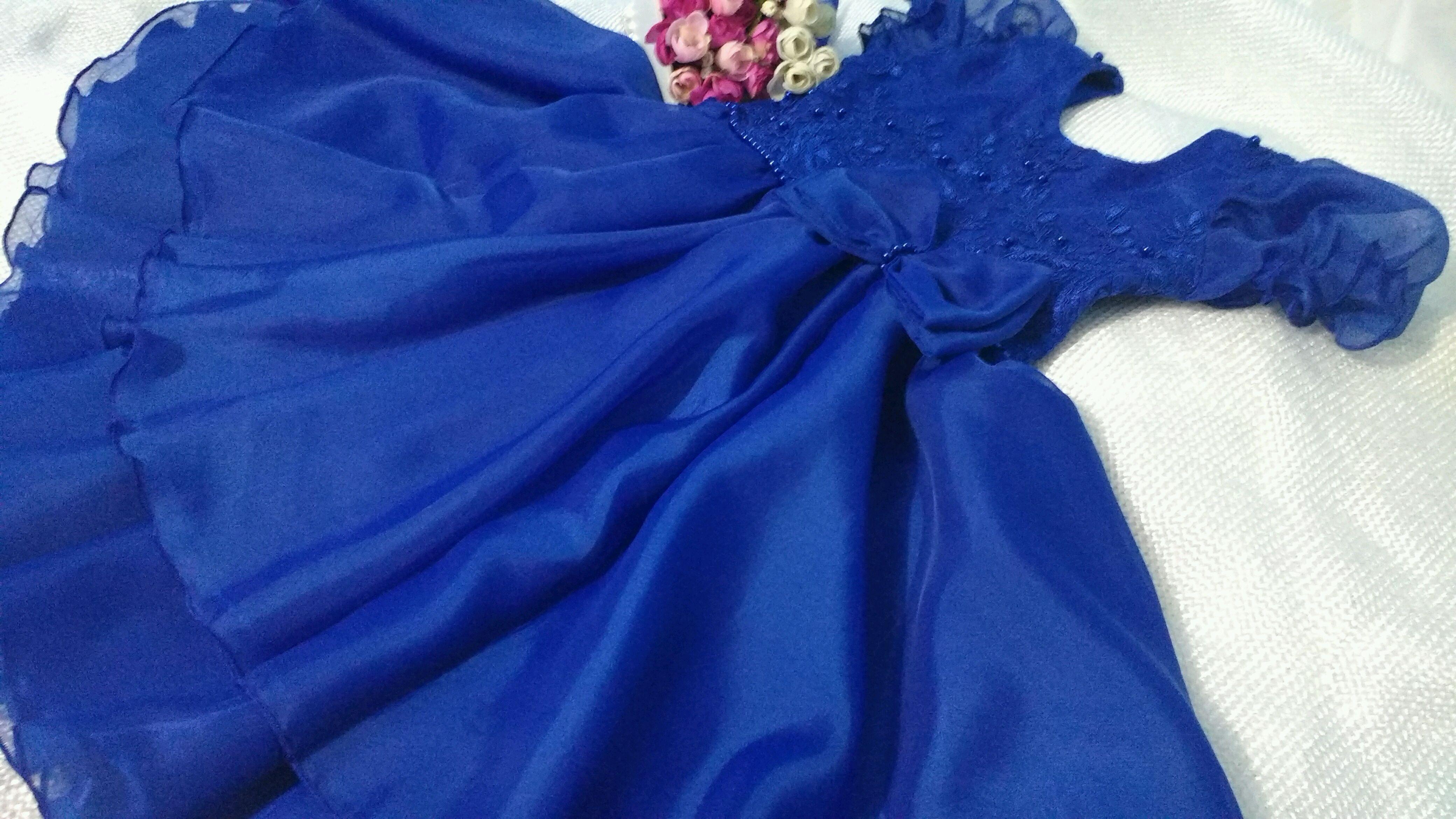 Vestido de festa azul anil