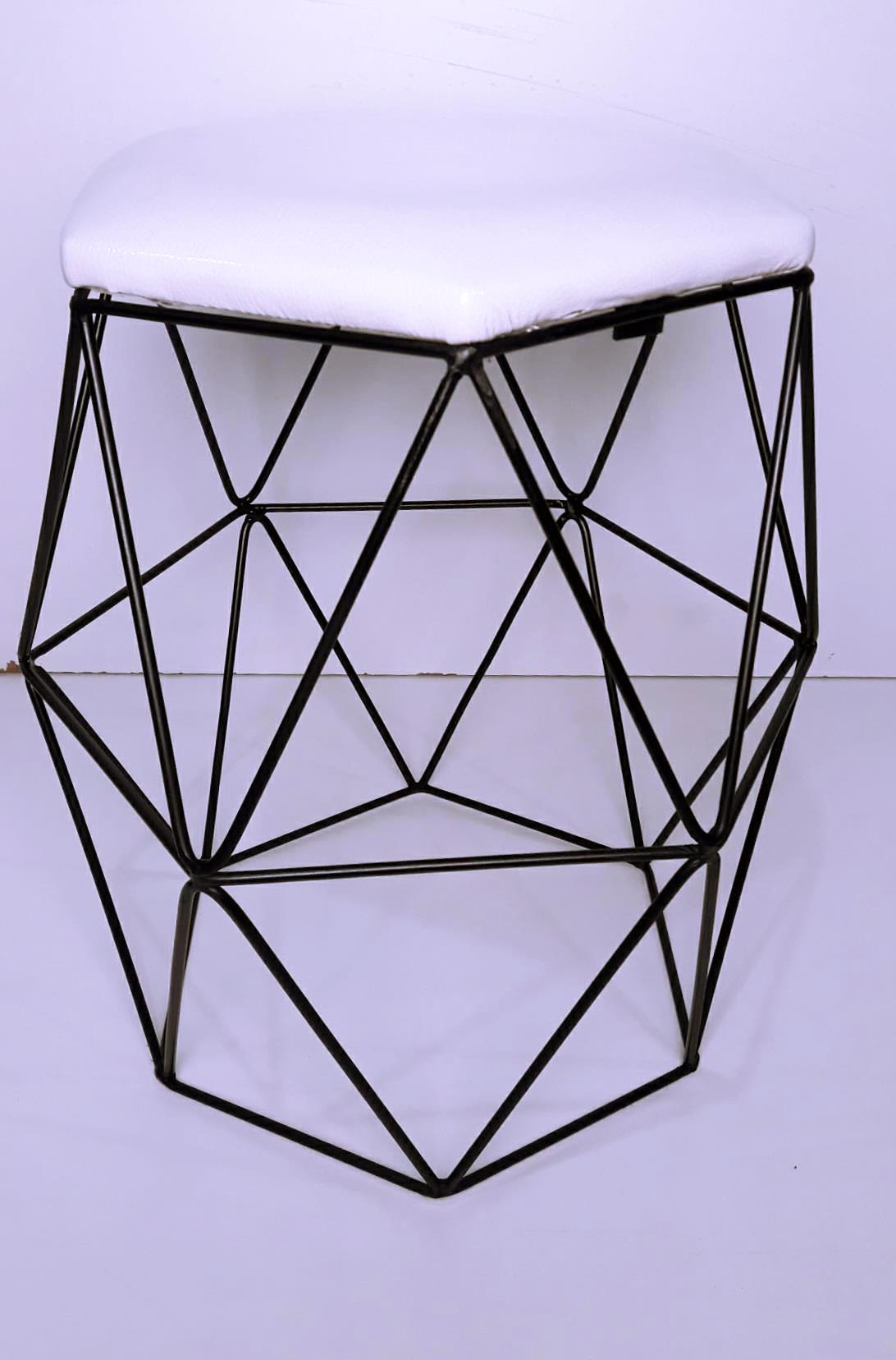 Base de Ferro p  Cadeira - Modelo Quadrado Decor Industrial no Elo7    Madeira Usada (CD941C) ec25837fa2