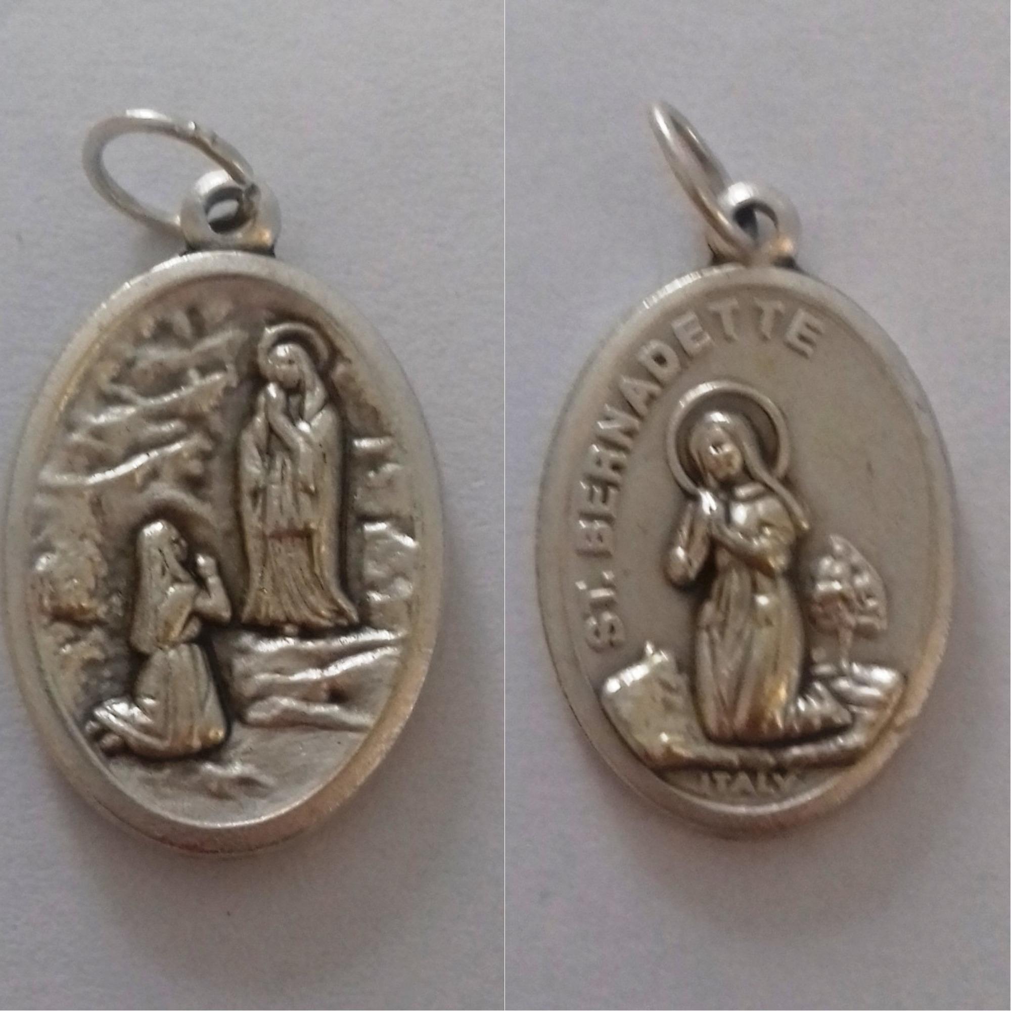 2fb79b325cdec Medalha Nossa Senhora Lourdes Cordao