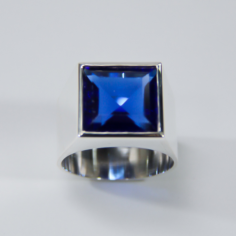Anel com Safira Azul Sintética   Elo7 9dddf932c4