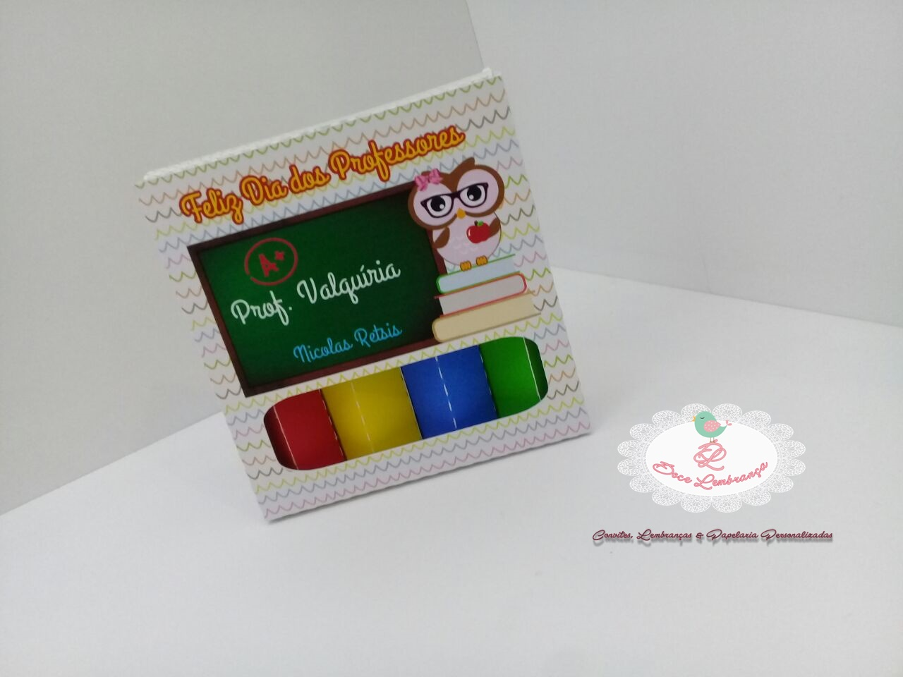 308ff54559 caixa lápis de cor com bis no Elo7
