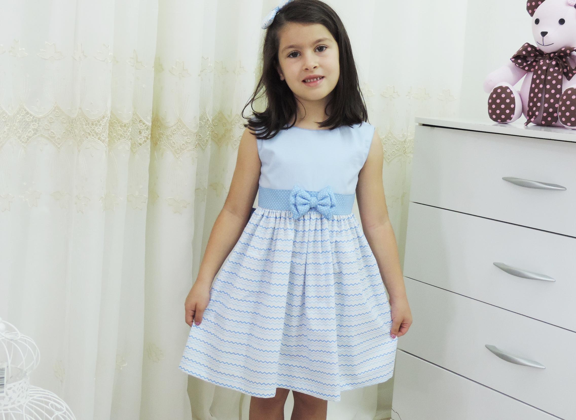 Design Of Vestido Infantil Azul Bebê Chevron e preço