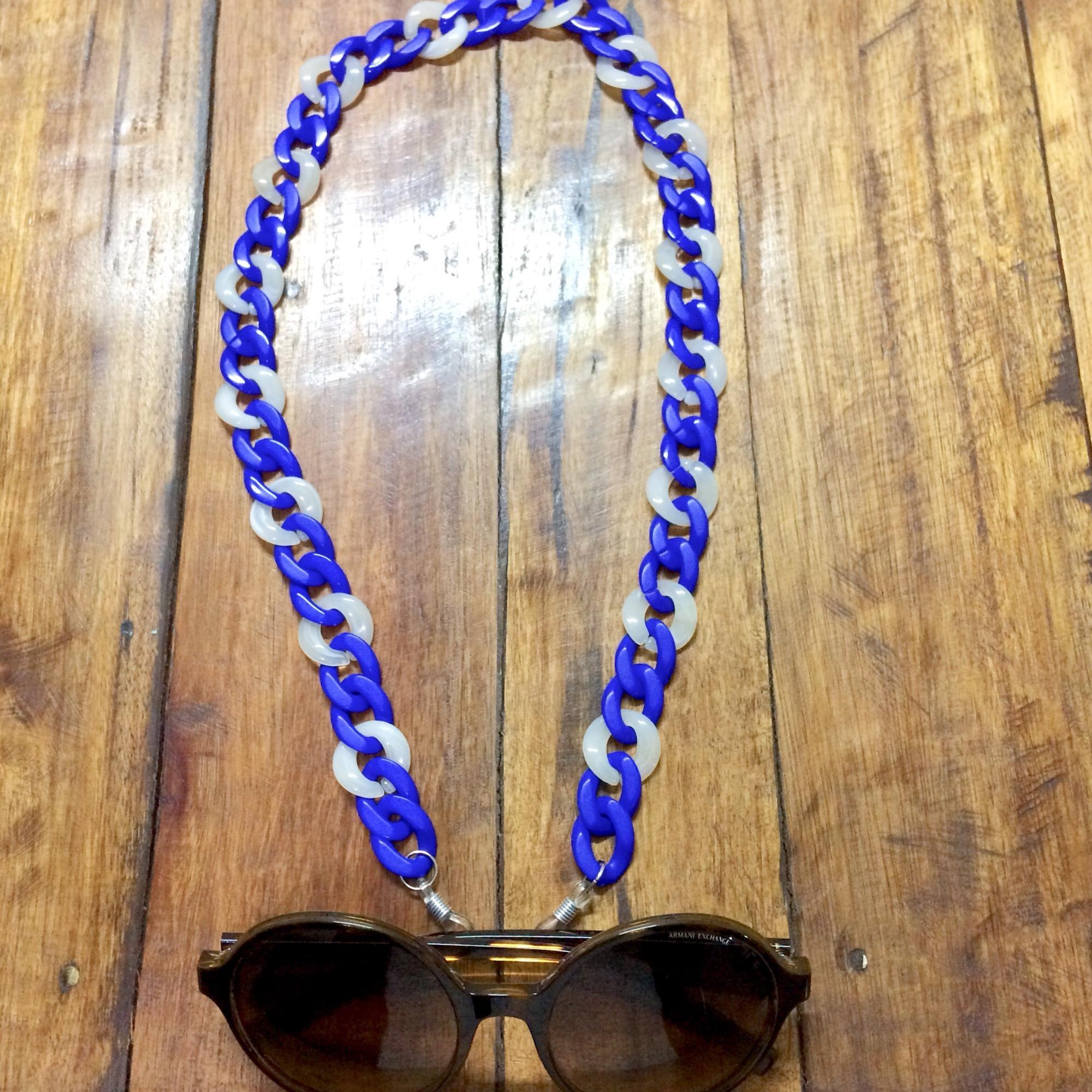 Correntes para pendurar óculos no Elo7   Carla Barranco acessórios (A9AC8E) de67400af2