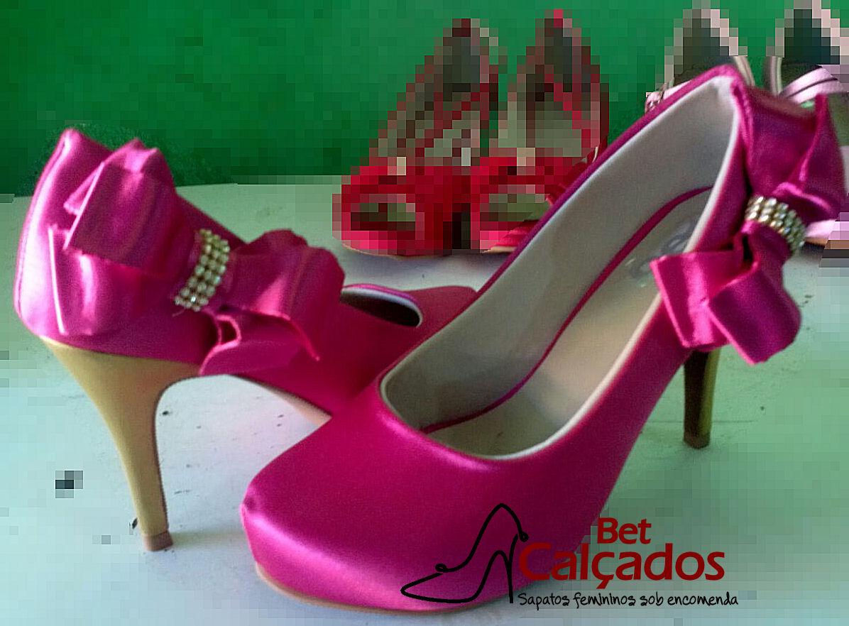 cc746b5a22bf Sapato Pink Salto Cetim Dourado | Elo7