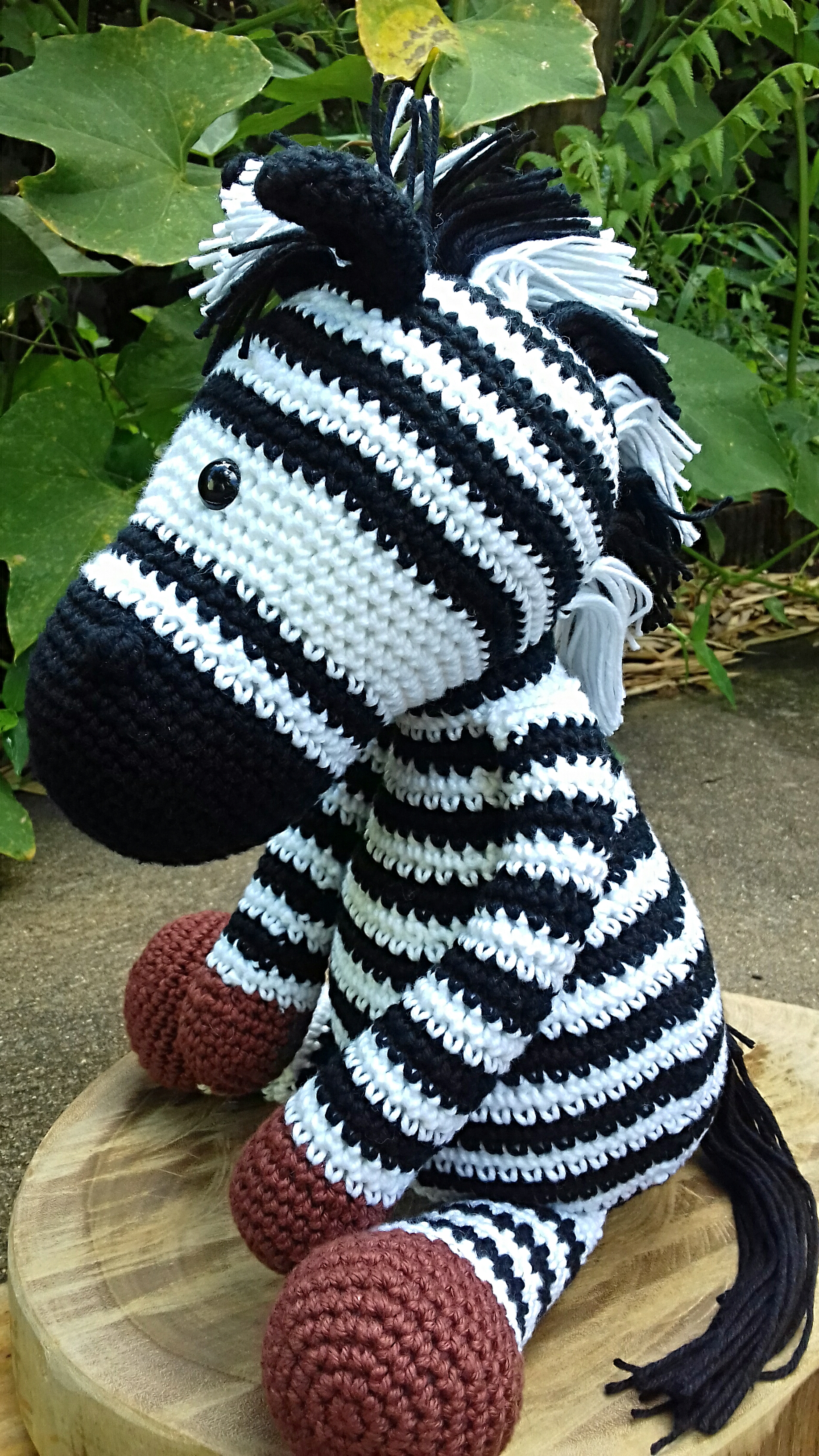 Amigurumi de Crochê Zebra Zulú 23 cm | Arquitetas Express | 3264x1836