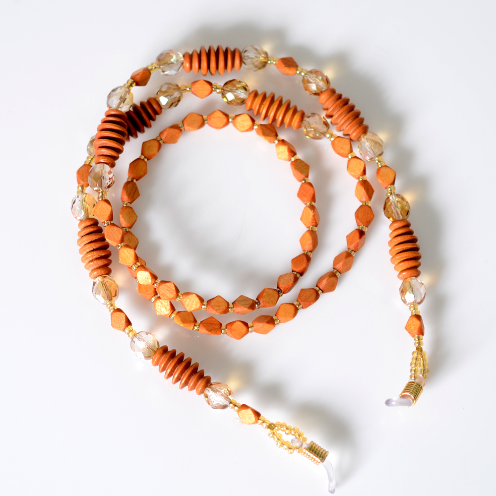 Cordinha de pedrarias para óculos Marfim e Cristais no Elo7   Bead Shop  (AECFCE) 9506324e0f
