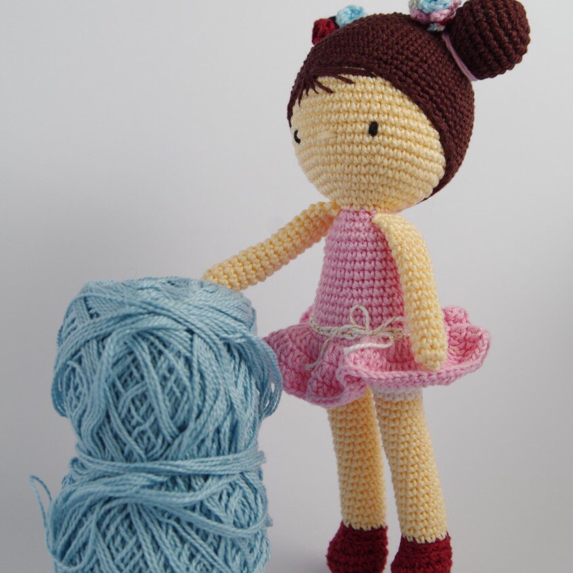 Boneca Chloe Amigurumi Crochê Presente Decoração Quarto - R$ 98,90 ... | 2000x2000