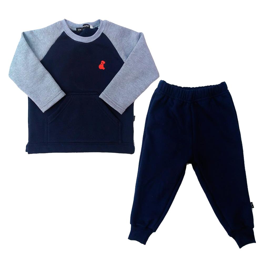 3e053391f1 Conjunto de Camiseta e Calca de Moleton