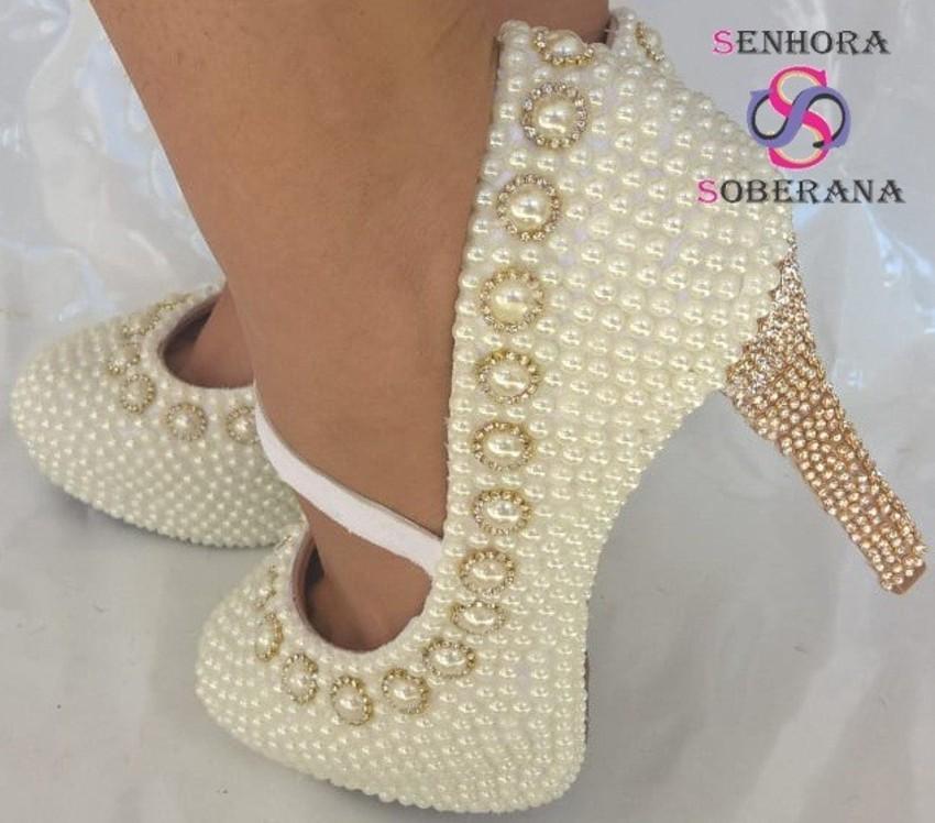 931fcc0723 Sapato perolado com correia Off white Cinderela (Moda Evangé no Elo7 ...