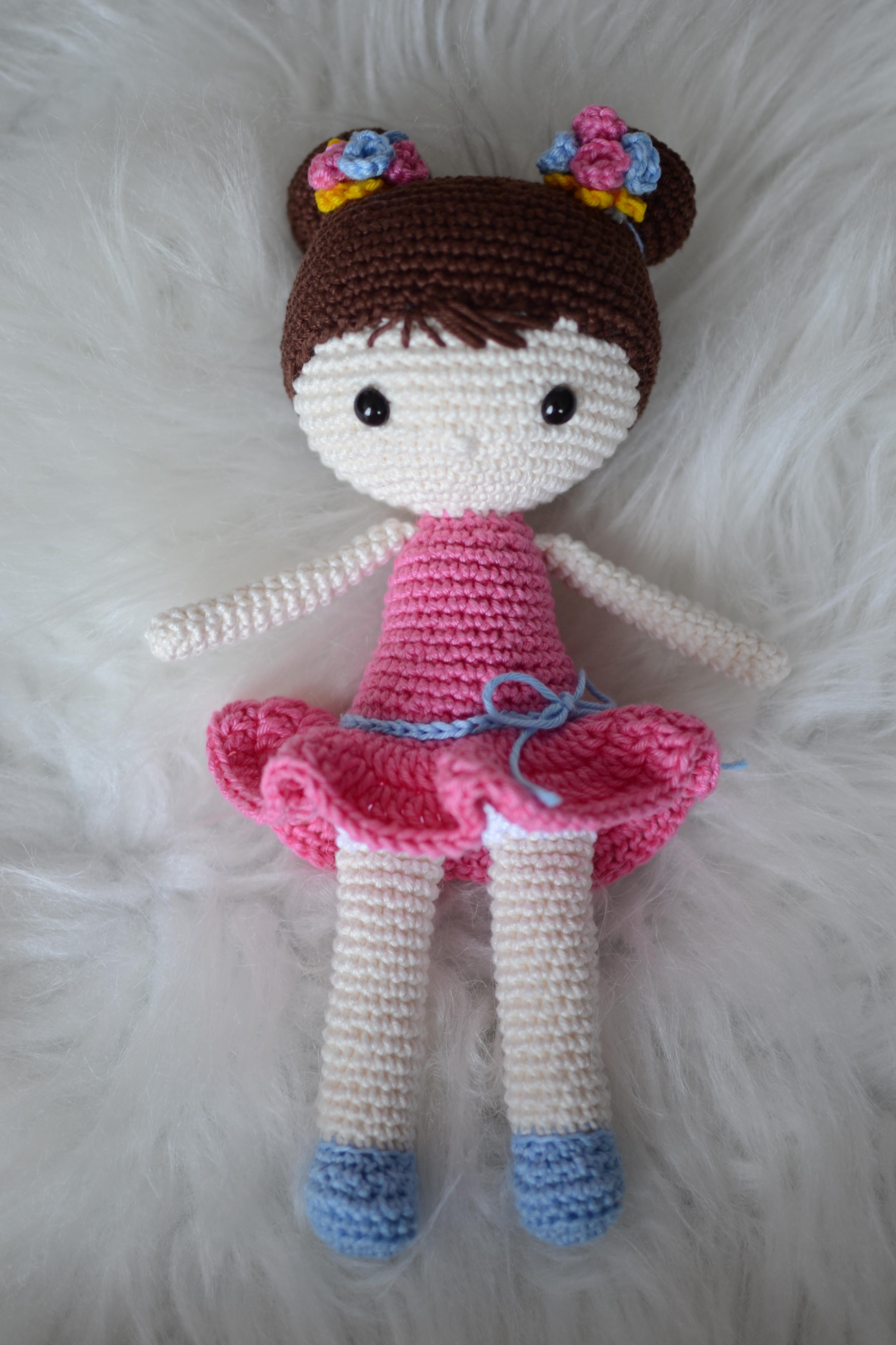Boneca amigurumi/ boneca crochê (Loira) no Elo7 | Novelo de ideias ... | 4608x3072