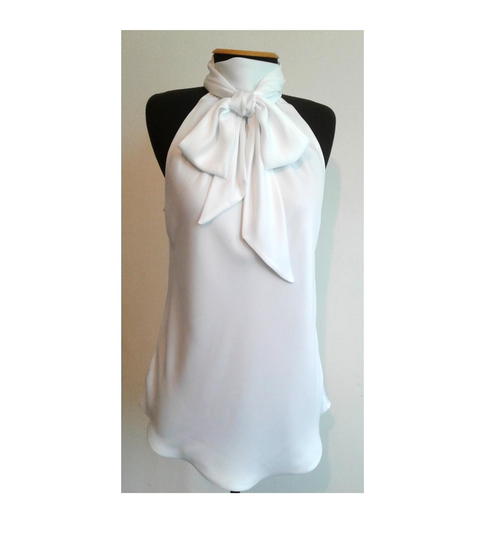 bf0adb9e6 Blusa de Cetim Branca com Gola Laço