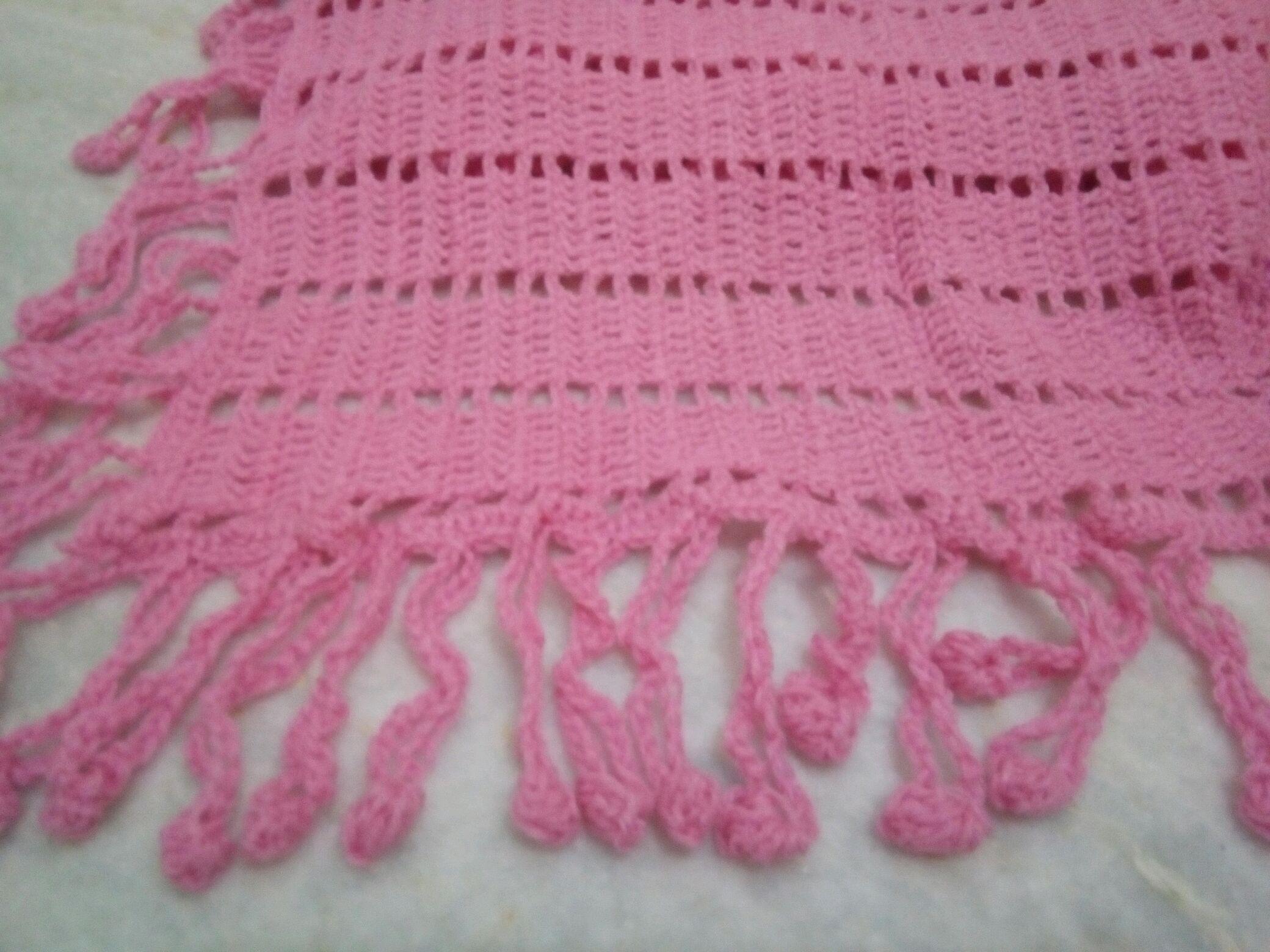 Manta para bebê crochê rosa pompom no Elo7  051f99ff6de