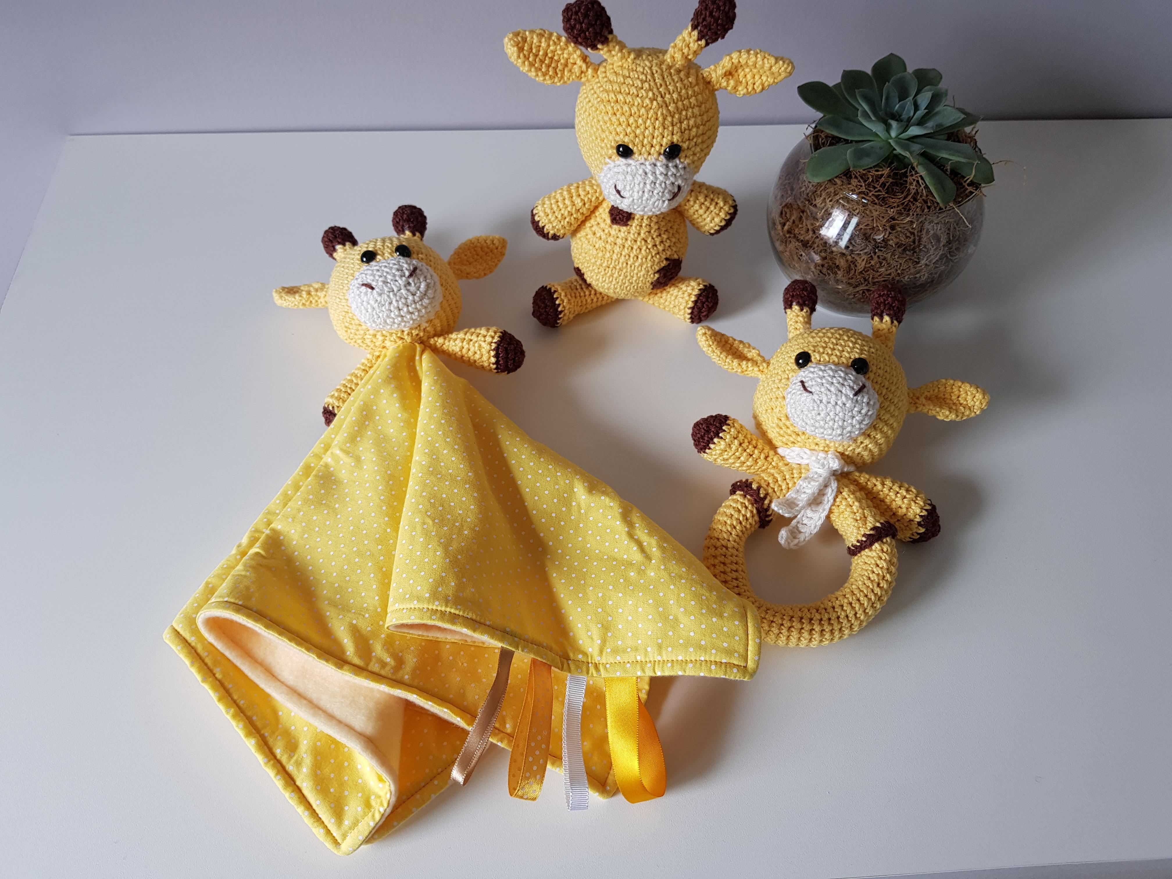Hearty Giraffe amigurumi pattern - Amigurumi Today | 3024x4032
