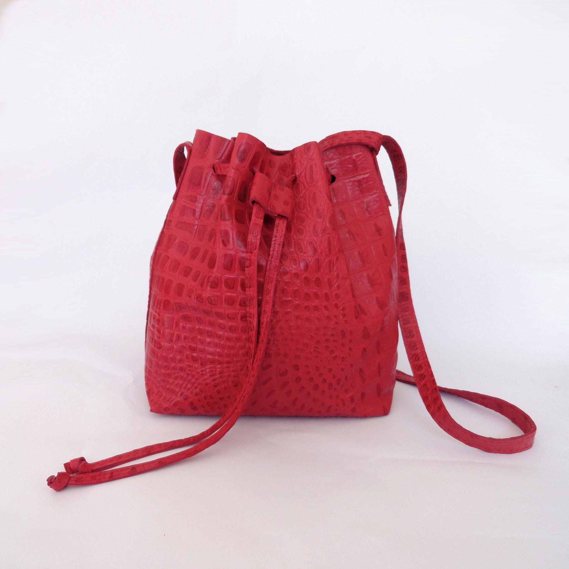 c2d3b9f7fd Bolsa Saco Mari Vermelha no Elo7