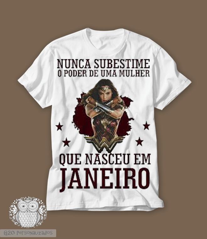 Camiseta Nunca Subestime Uma Mulher  e9861d37a14
