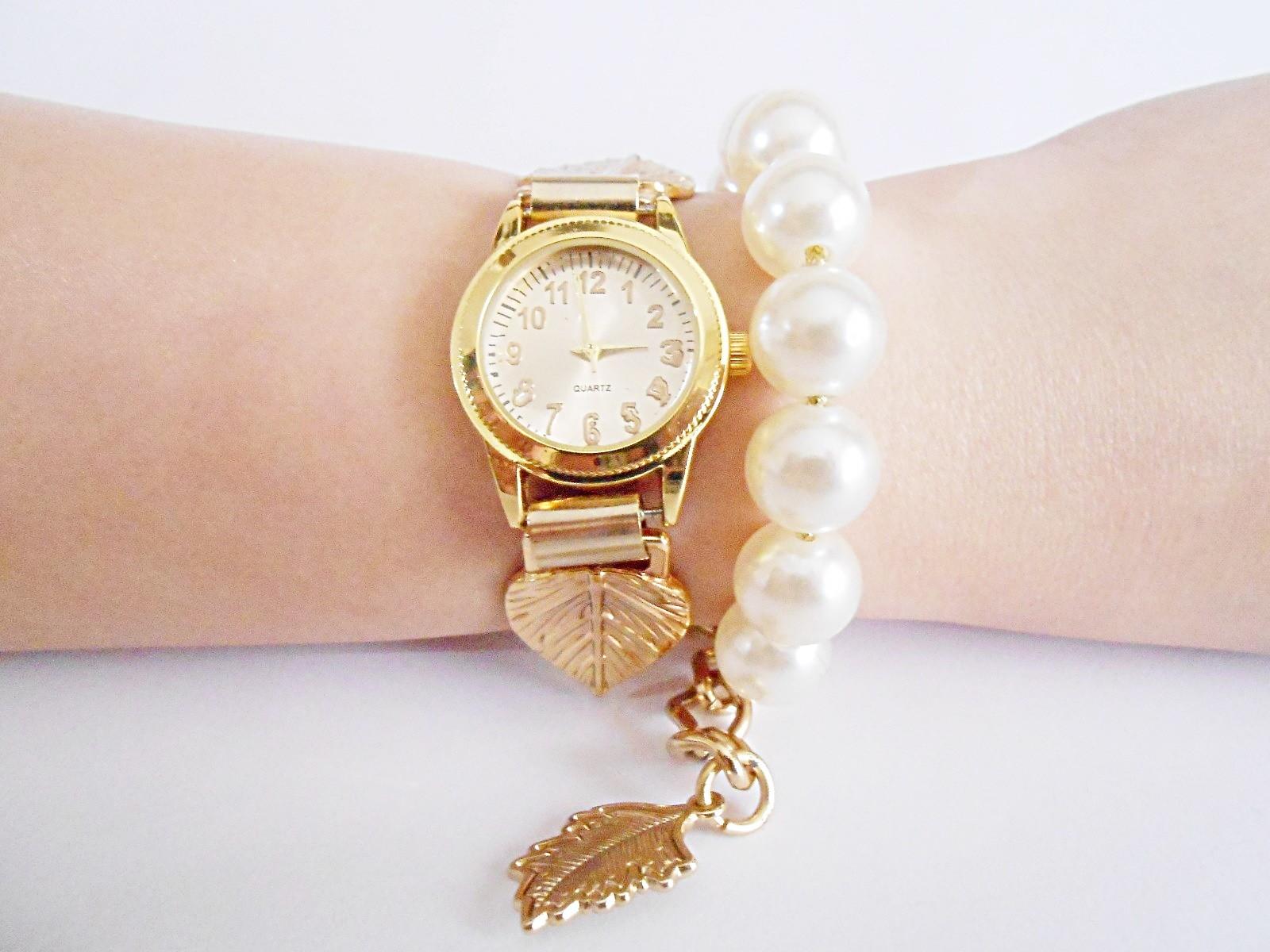 2e82c7a0818f9 Relógio Feminino Dourado Folhas com Pérolas no Elo7
