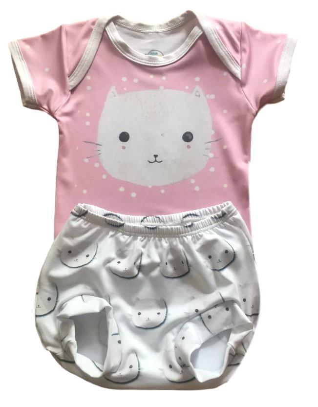 Body + Tapa Fralda Com Proteção Uv 50+ Gatinha Tam. M 3-6m no Elo7   Shop  Charme - Moda baby, kids, teen e adulto (CF1153) 14c25f65fc
