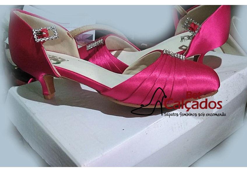 c844c3ba7 Sandalia Cetim Pink Salto 4cm Rosto Drapeado | Elo7