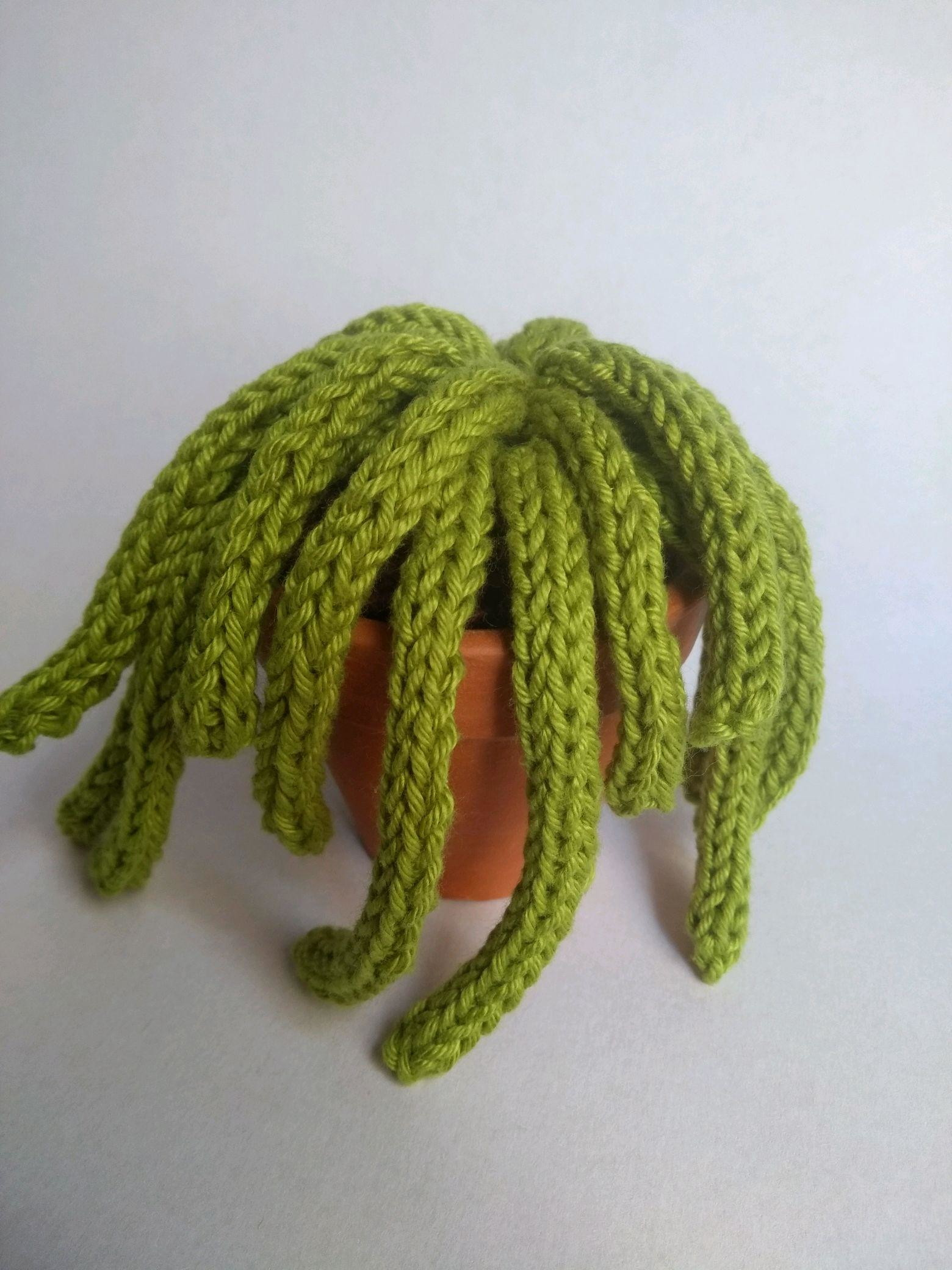 Free Crochet Pattern: Cactus Amigurumi Amore by Crochelandia   2080x1560