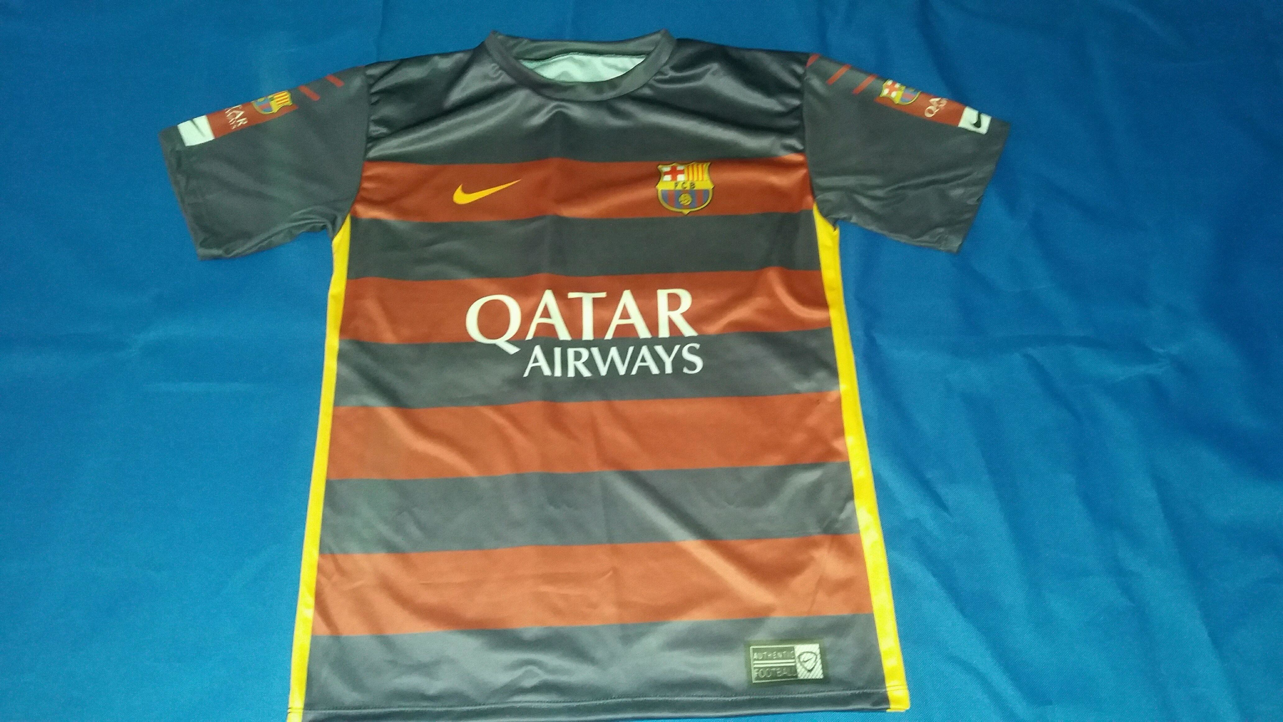 e34d23c40c9f3 Camiseta Comemorativa Barcelona