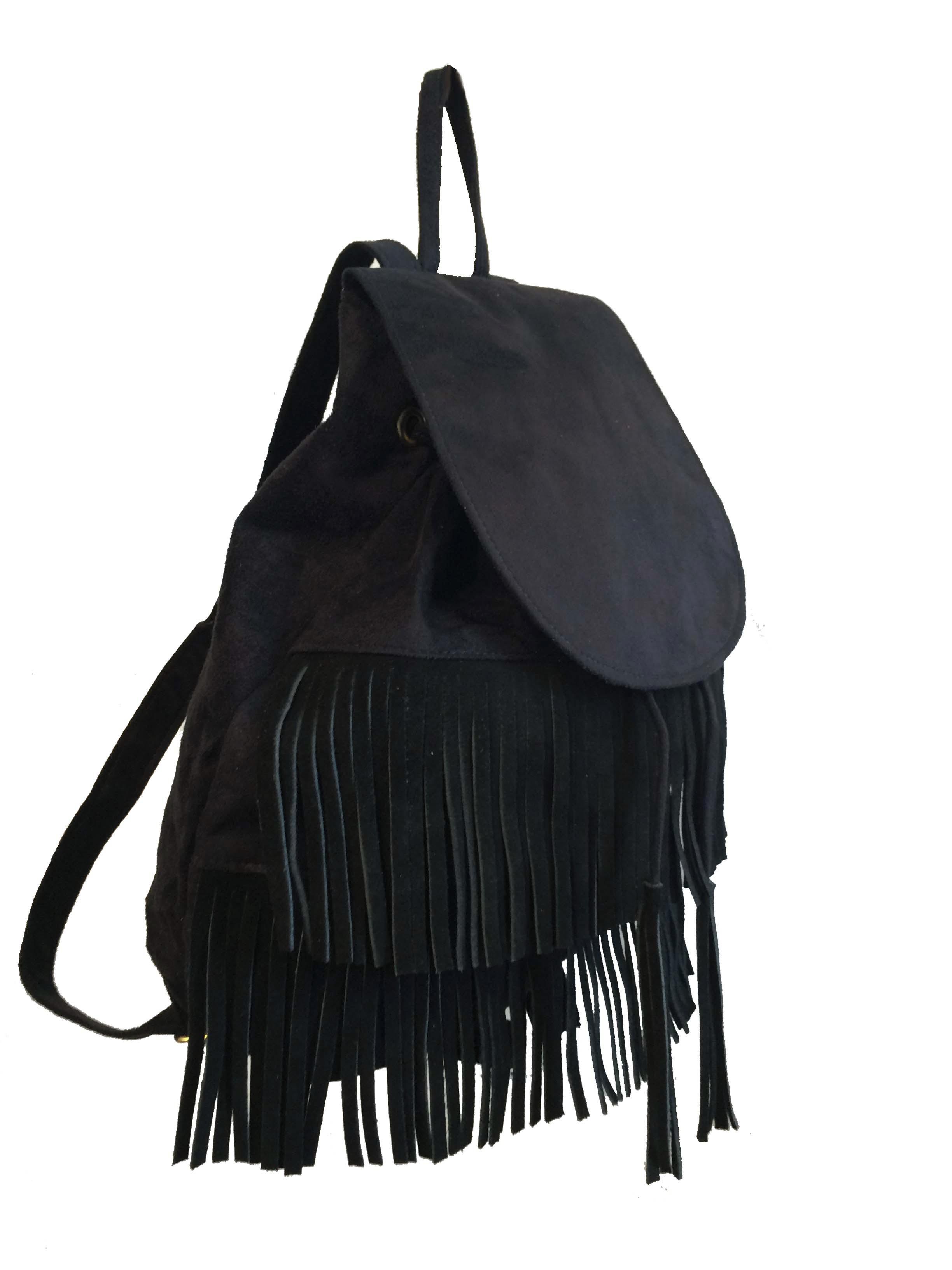 e6d236c86 Bolsa mochila feminina preta com franjas e alças reguláveis no Elo7 | Meu  tio que fez S2 (D4DC54)