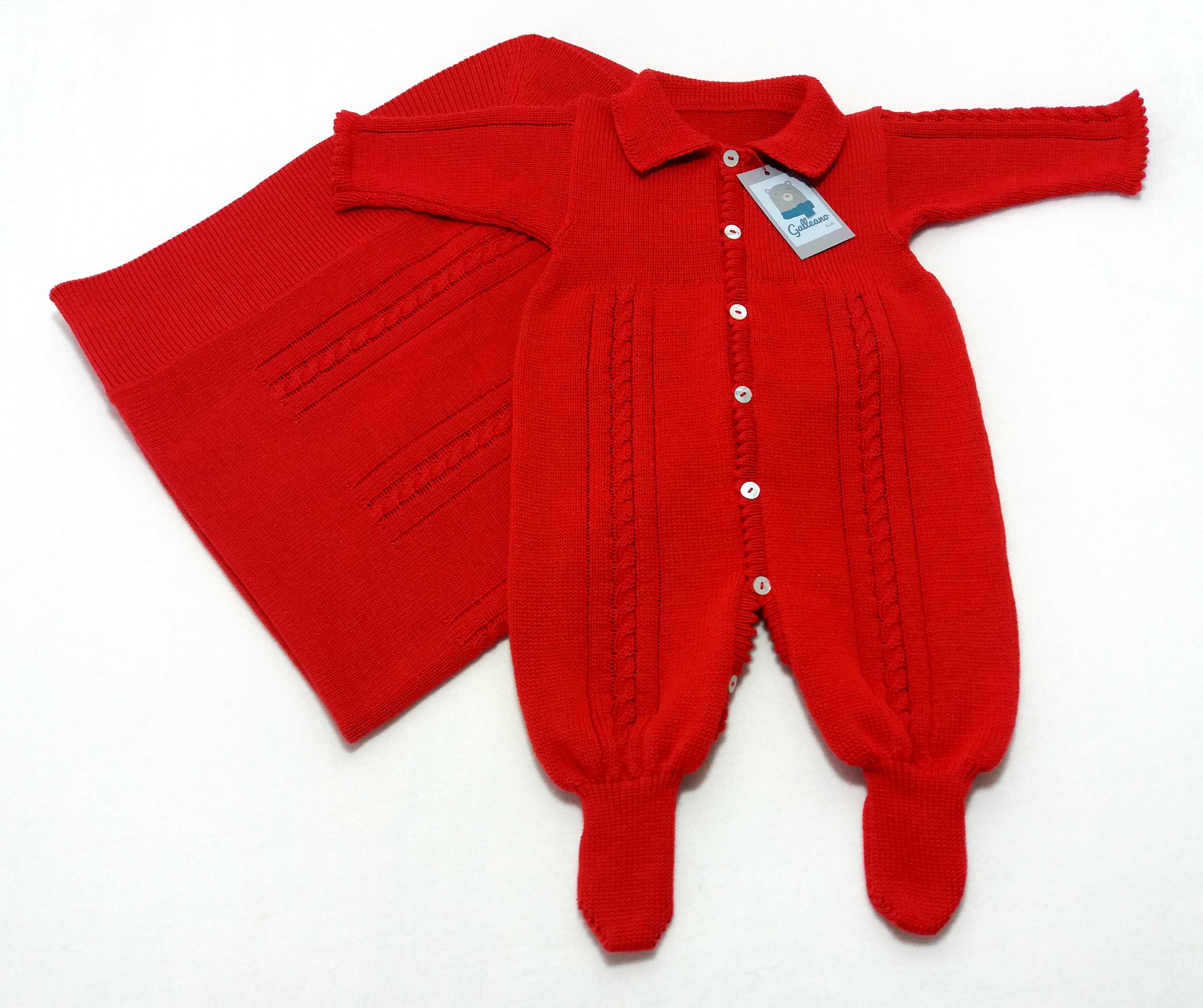 c3d8942457 Macacão vermelho Gola Polo + Manta com Trança Tamanho RN no Elo7 ...