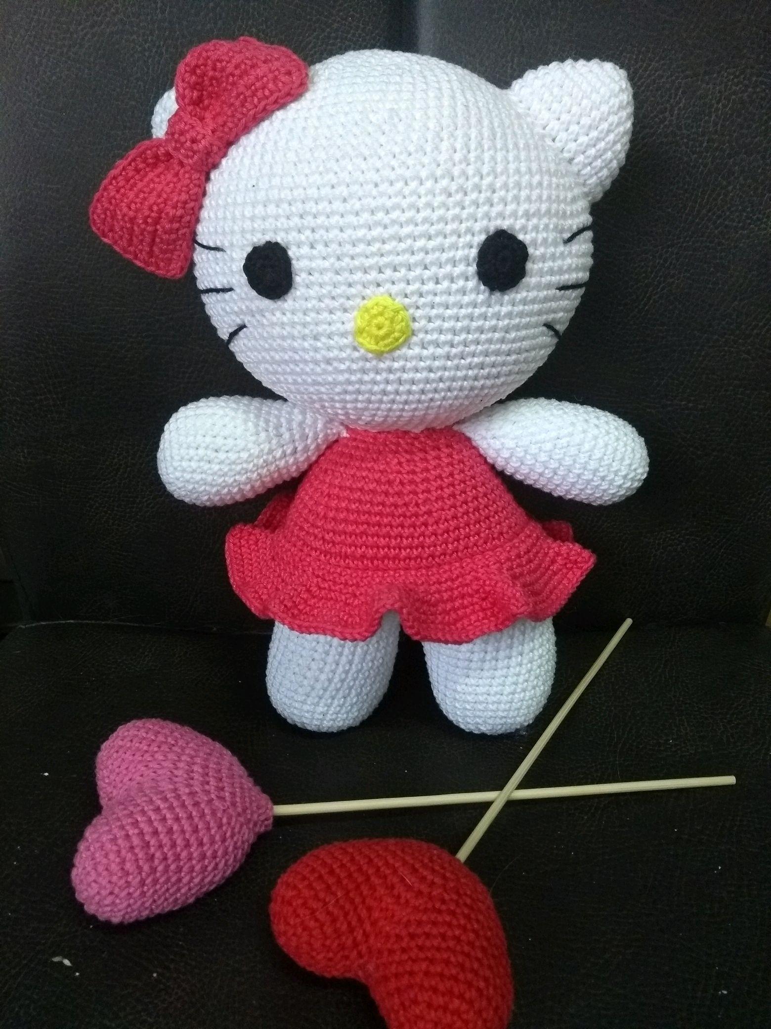 Boneca Hello Kitty Em Crochê – Material e Vídeo | Bigtudo Artesanato | 2080x1560