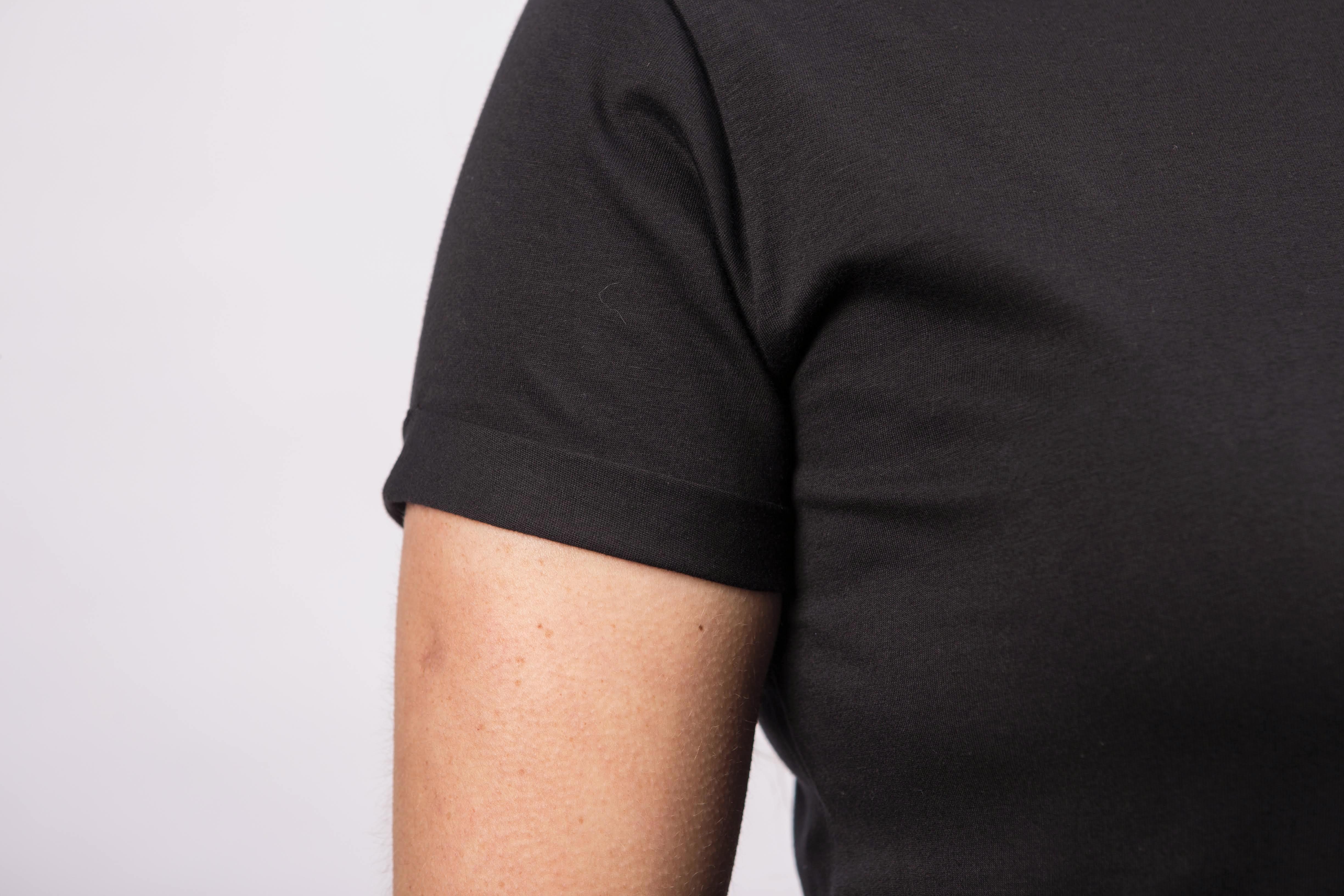 411206f170 Blusa Camiseta Básica Feminina Preta no Elo7