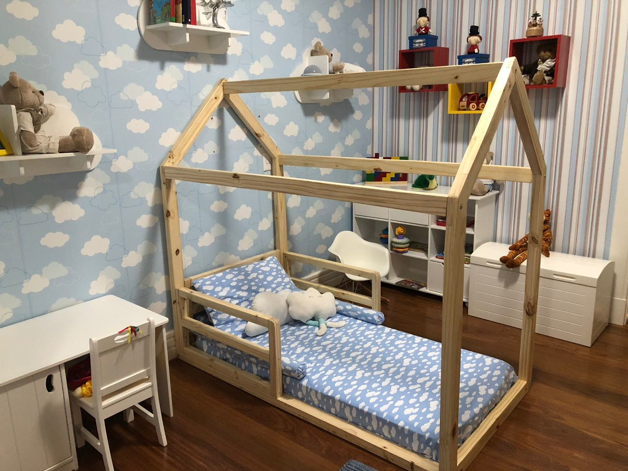 4cc1497fcf Cama Casinha Proteção Lateral - Colchão Infantil 150x70cm no Elo7 ...