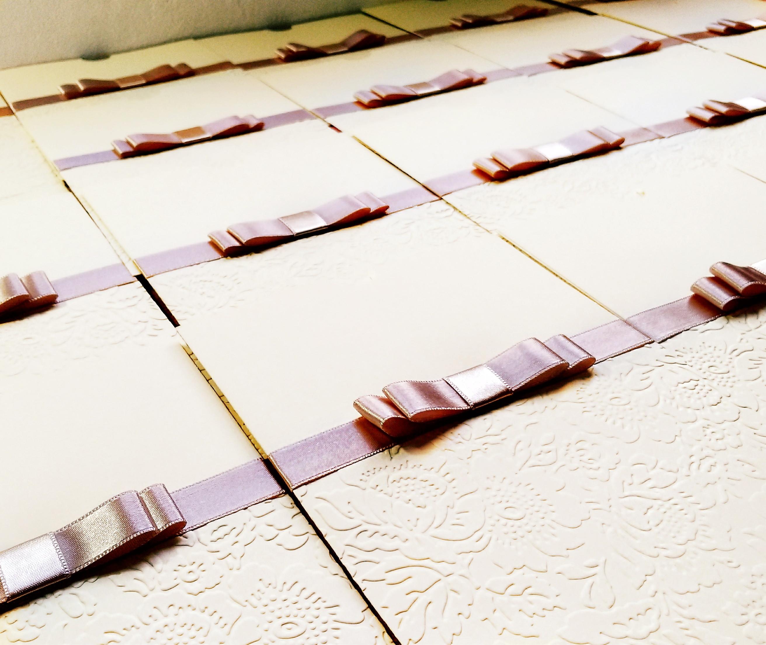 d577e243f11 Envelope Luva Relevo Seco Laço Chanel Papel Vergê no Elo7