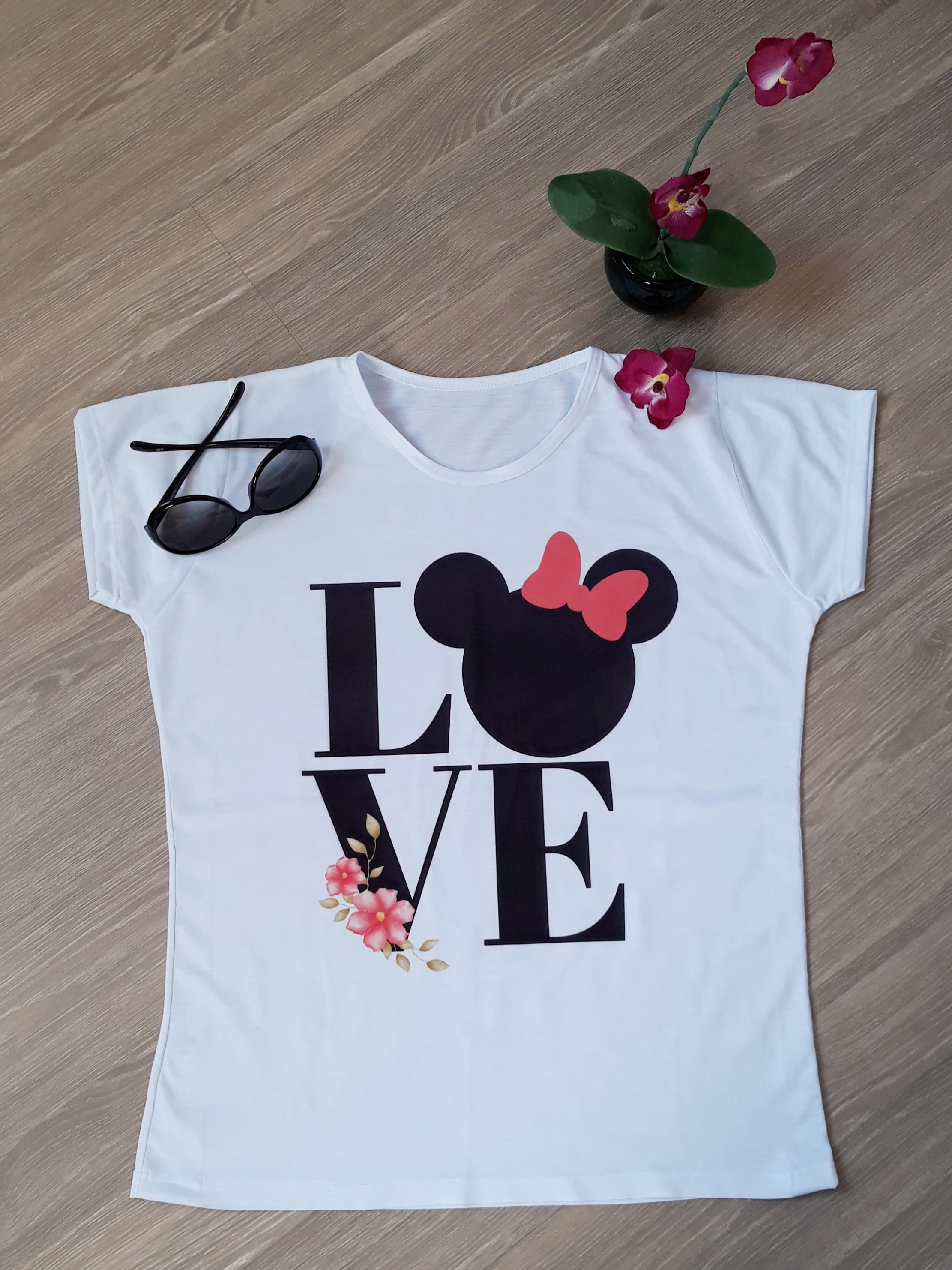 8c9a8edc51 T Shirt Paris Tamanho M