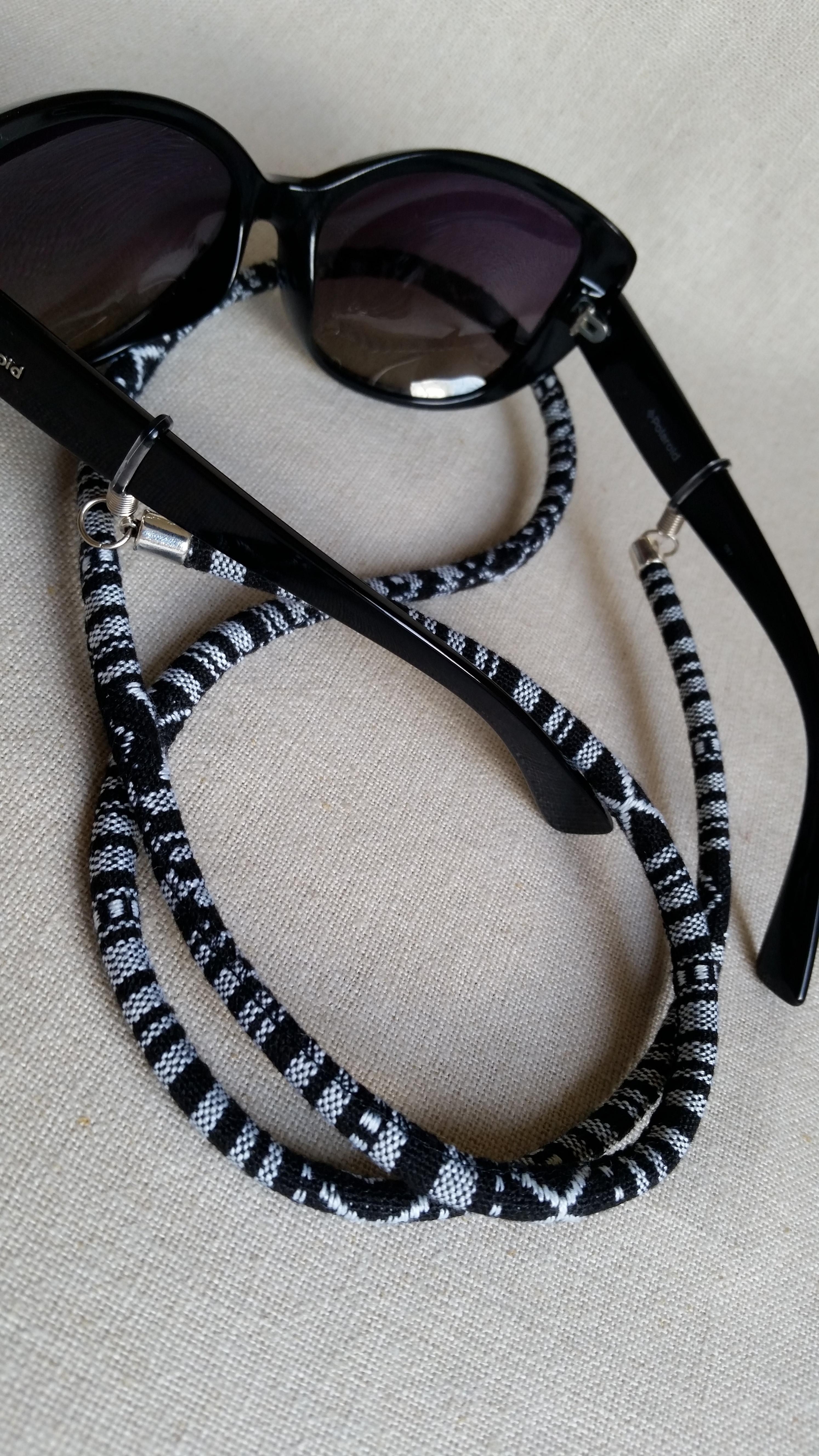 9c2a31bca Cordinha para óculos em cordão étnico colorido no Elo7 | MONICA TONON  (E6D310)