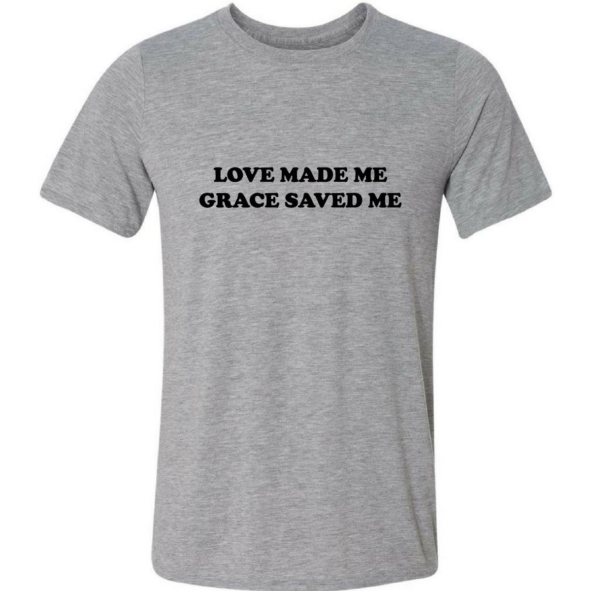 f564c9d6b Camiseta Love Made Me Grace Saved Me Frases Inglês Cristã no Elo7 ...