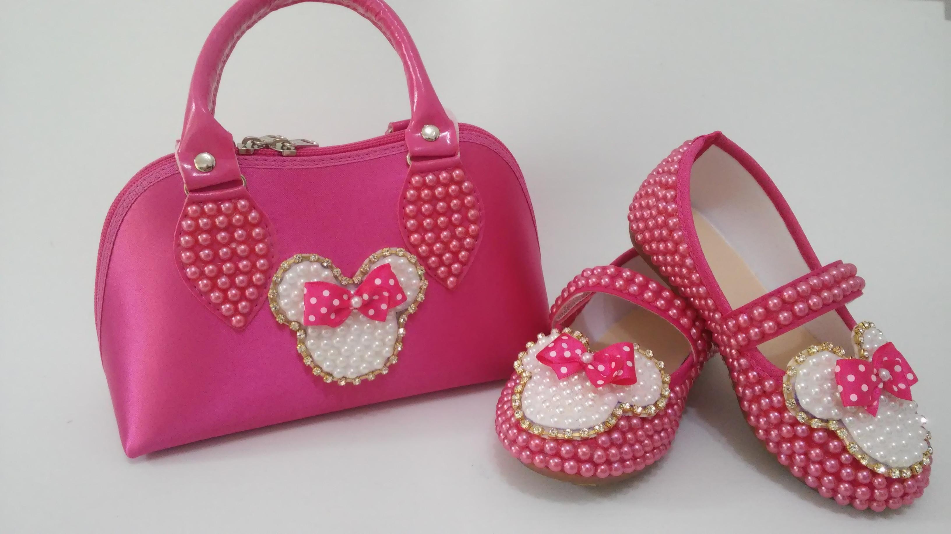 c5de801127 Bolsa Preta Sapatilha Pink