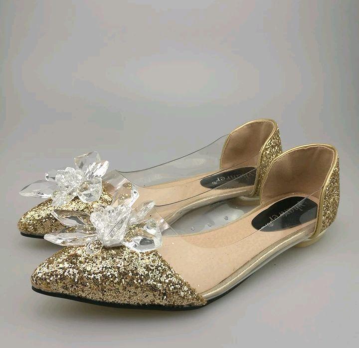 1088f68e9ba Sapato Gliter Dourado