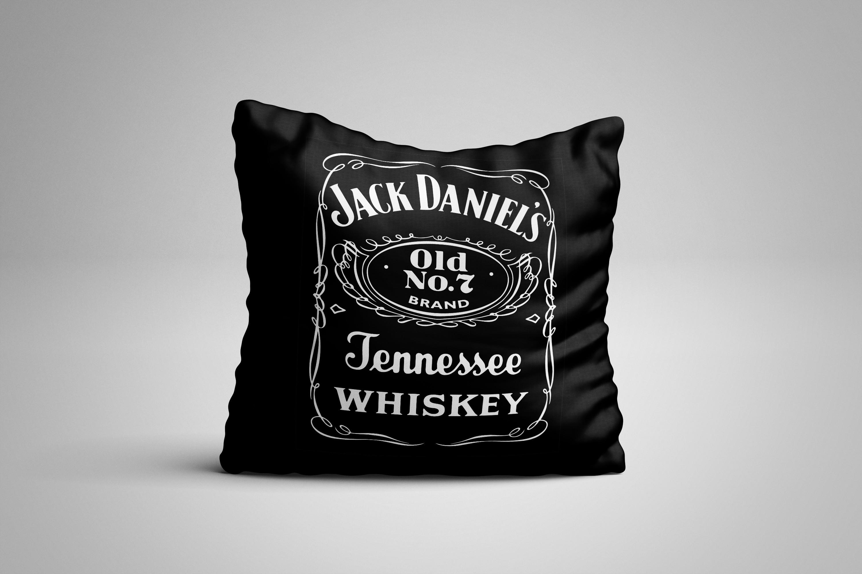 dd2251d5e302 Almofada Jack Daniels | Elo7