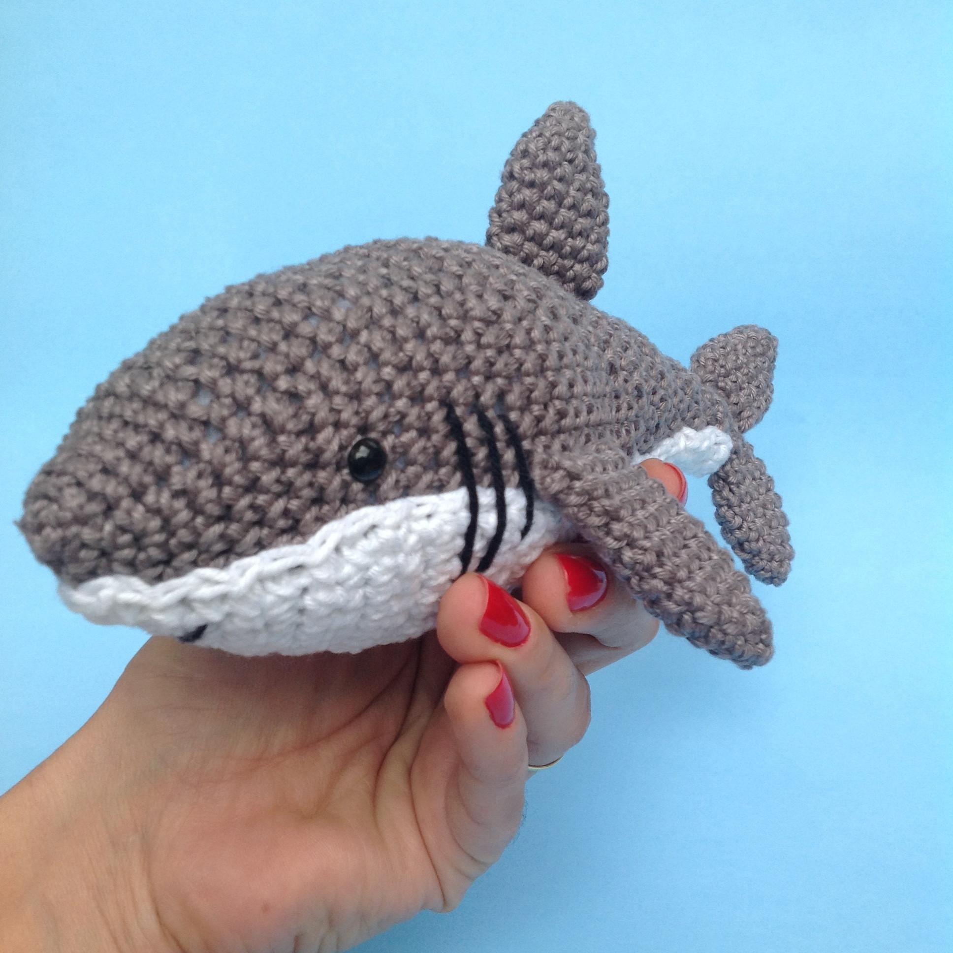 Crochê e Amigurumis   Bebê tubarão, Tubarão de crochê, Amigurumi   1936x1936