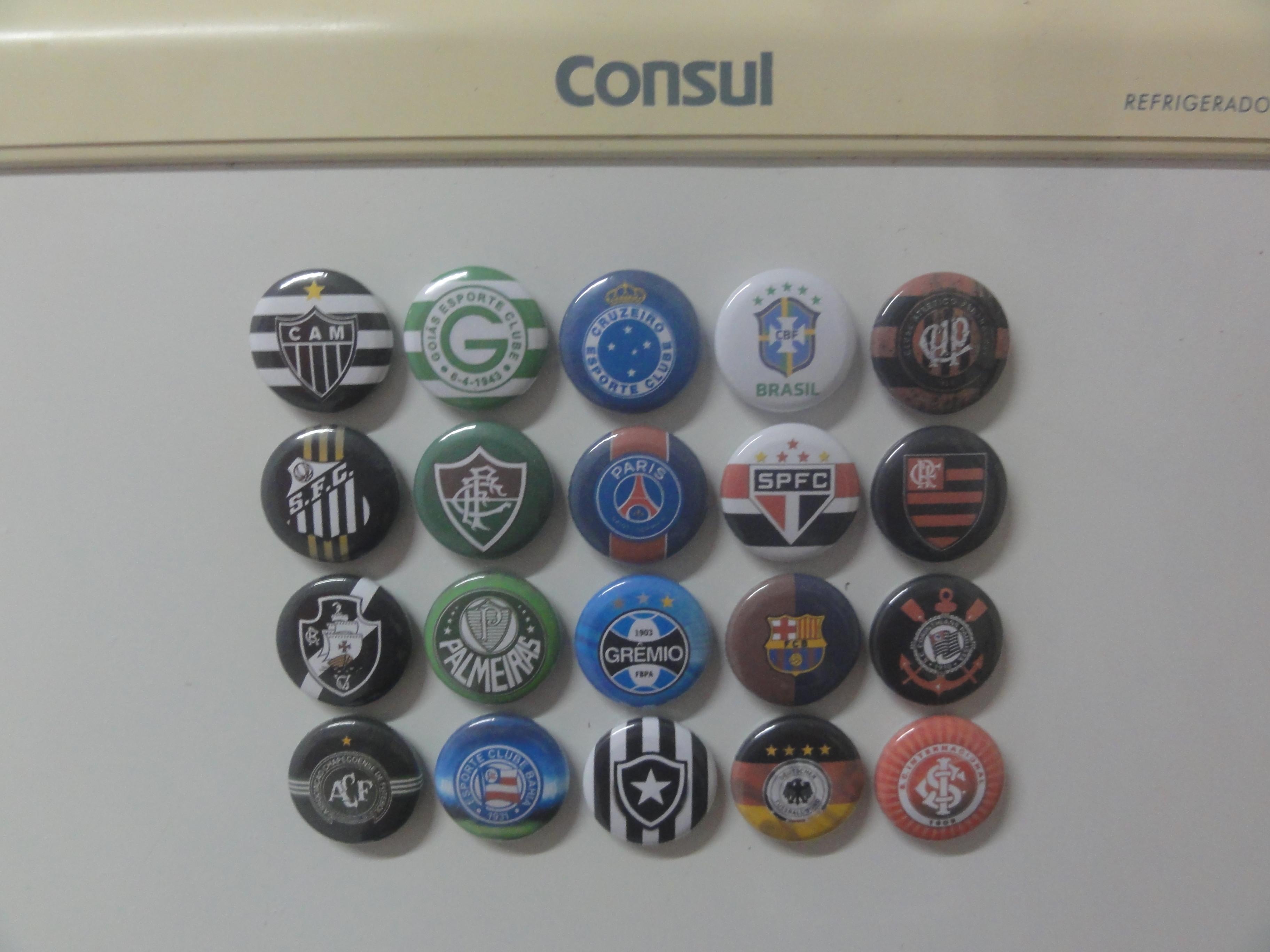 4ddd69e02bfb 20 Botons 2,5 Cm Imã Geladeira Times Futebol Personalizado no Elo7 |  Scavengers (F3EB74)