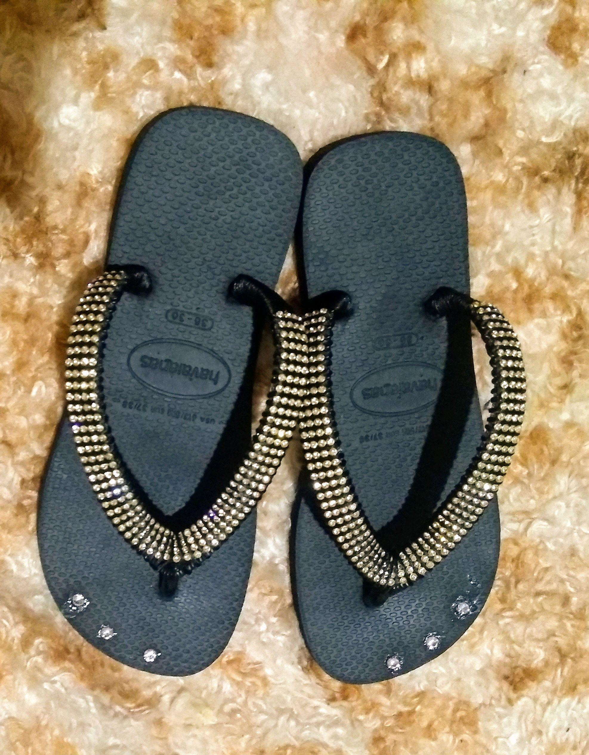 first look cheap price detailing Chinelo Havaianas com Strass