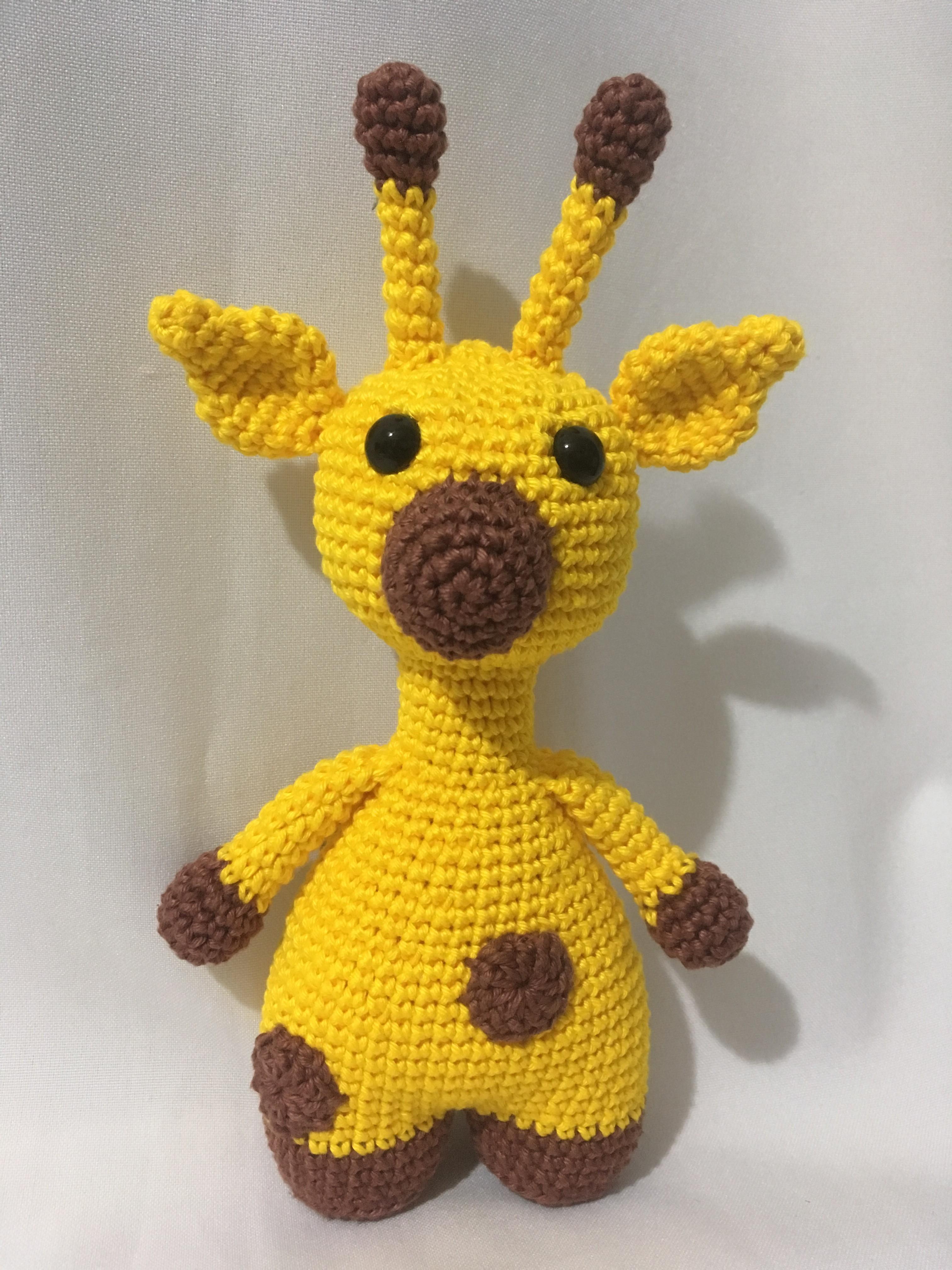 Girafinha charme amigurumi - YouTube | 4032x3024