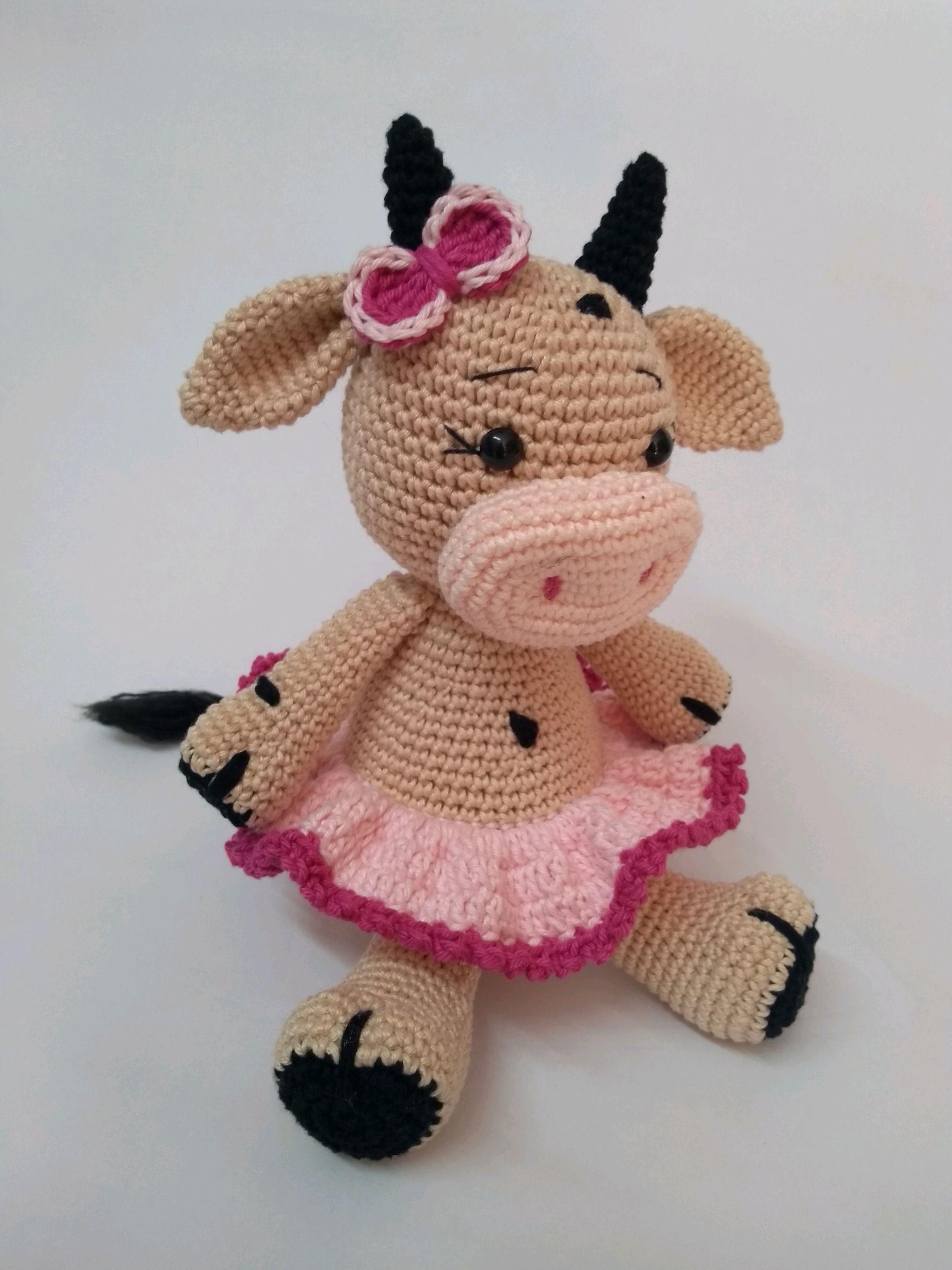 Kuh Amigurumi Häkelanleitung von Little Bear Crochets | 2316x1737