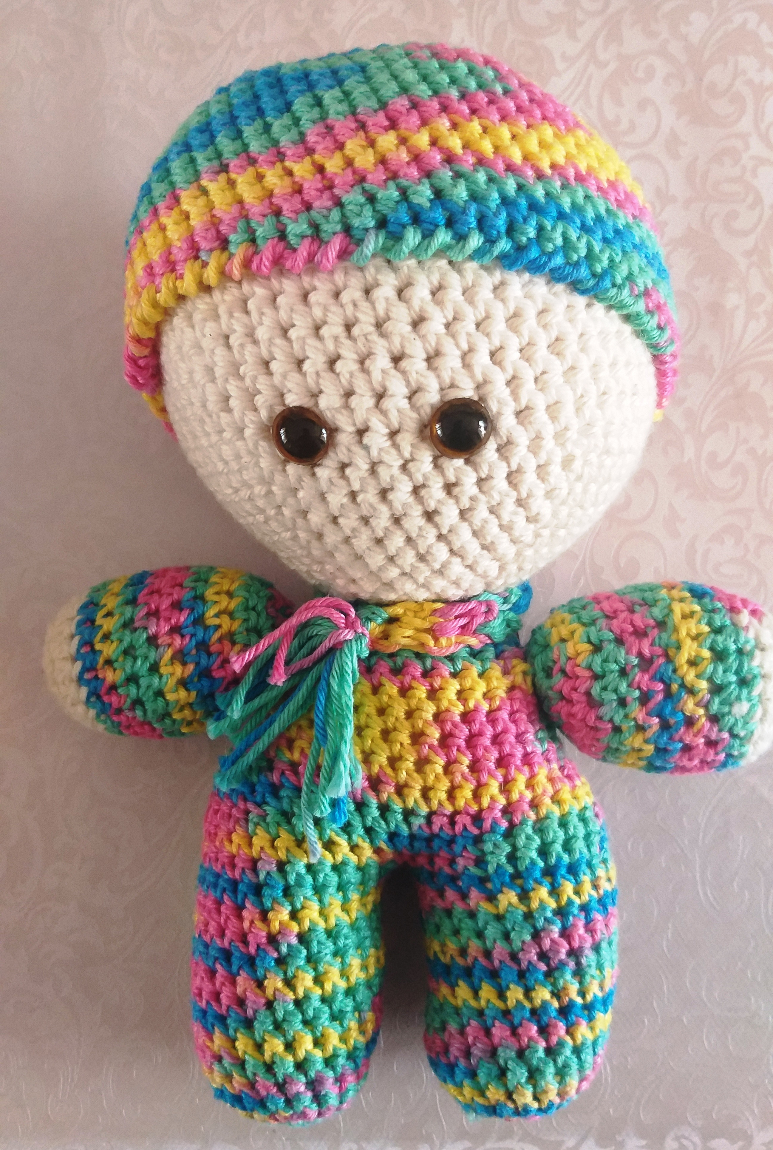 Boneco Yoyo Em Crochet Em Amigurumi Chapéu Urso - R$ 68,00 em ... | 3855x2592