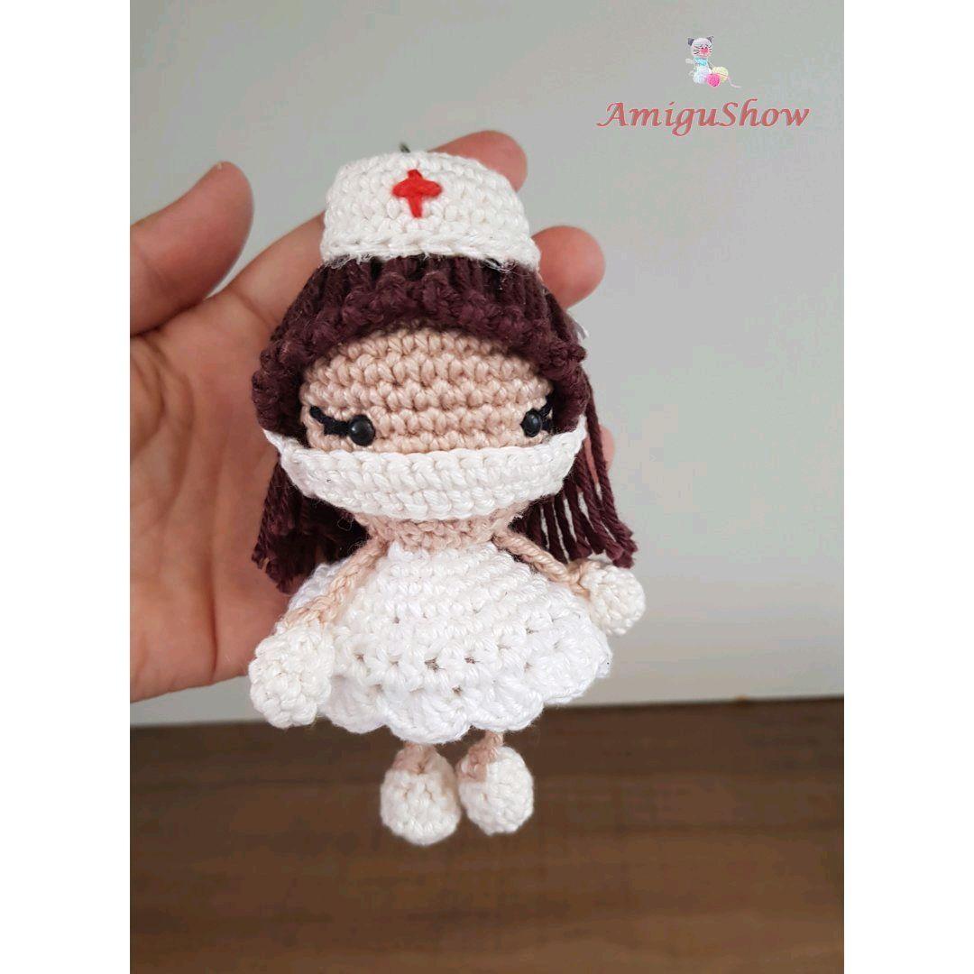 mini bailarina amigurumi chaveiro - YouTube | 1080x1080