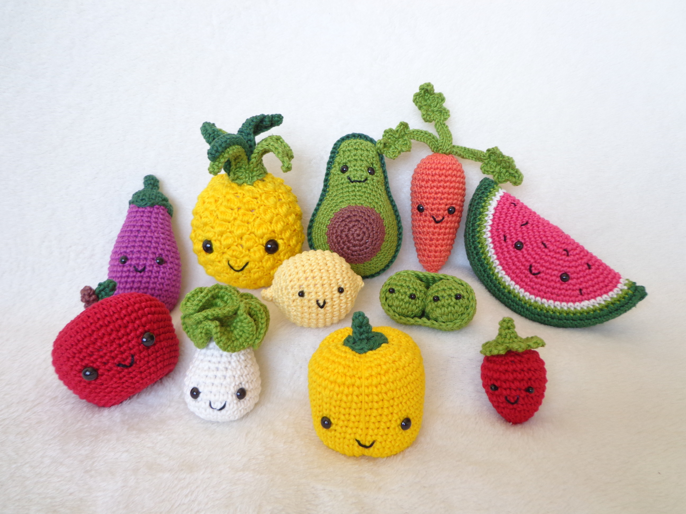 Crochet Amigurumi Fruits Free Patterns | Padrões de flores de ... | 1944x2592