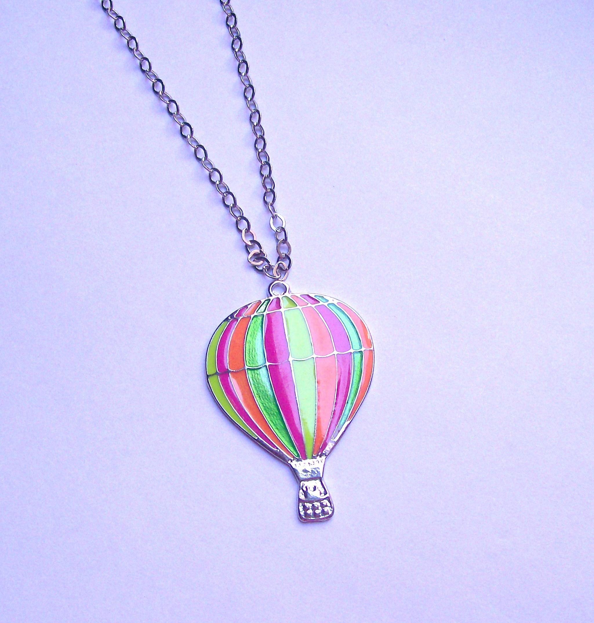 4f42028656f Colar Balão neon no Elo7