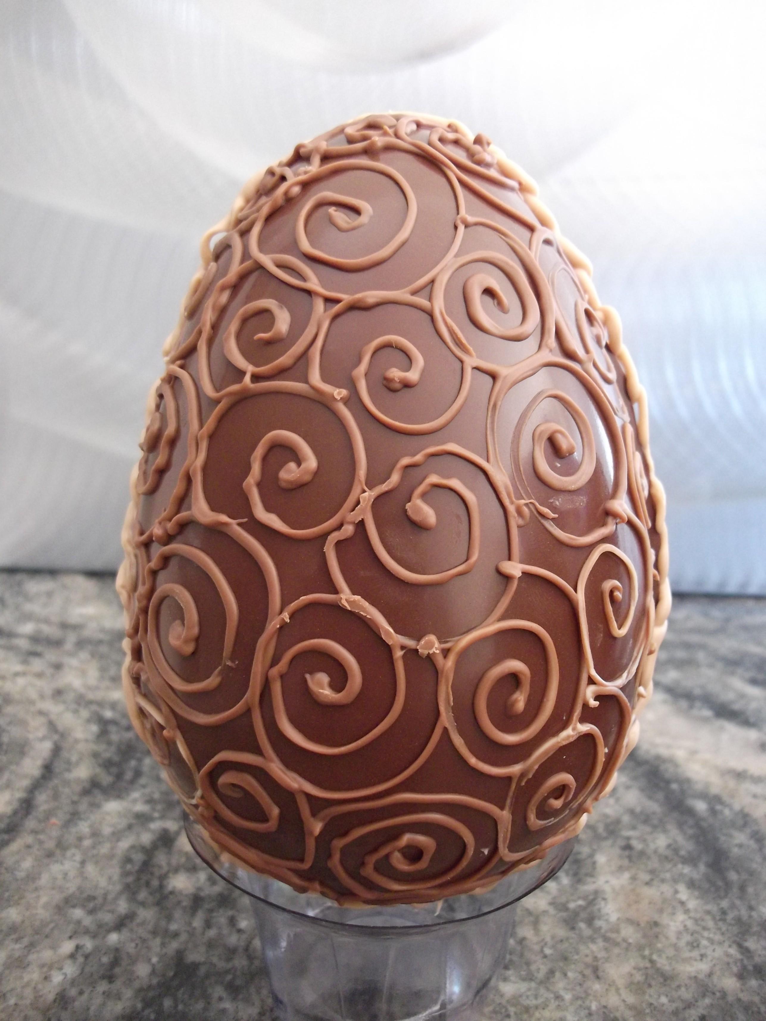 Ovo de páscoa decorado 750 grs AnnaClara Artesanato Culinário Elo7