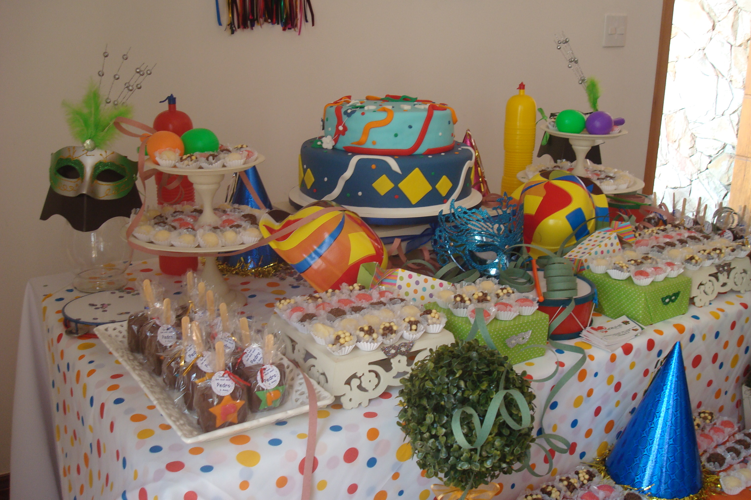 Locaç u00e3o de decoraç u00e3o de mesa Carnaval Caramelada Decorações Elo7 # Decoração De Loja Carnaval