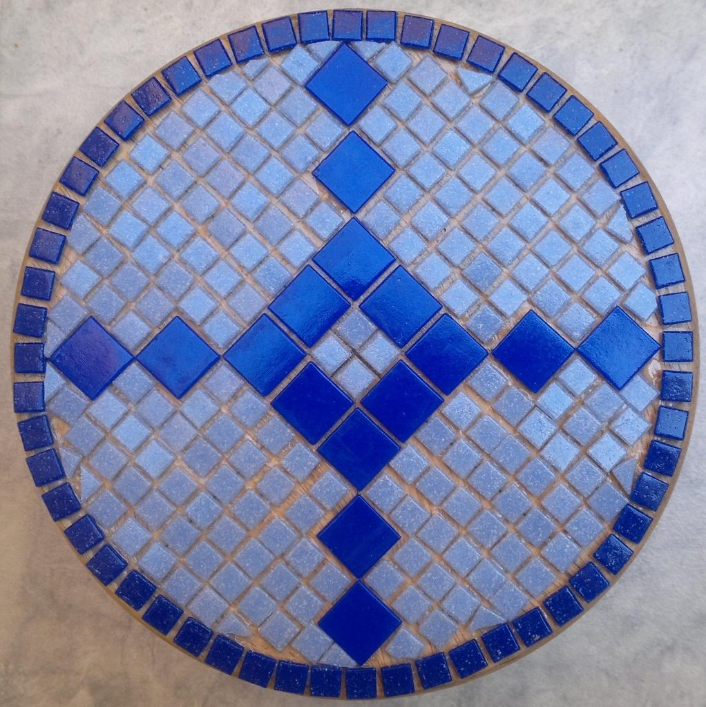 banquinho-mosaico-desenho-sem-verniz-mosaico.jpg
