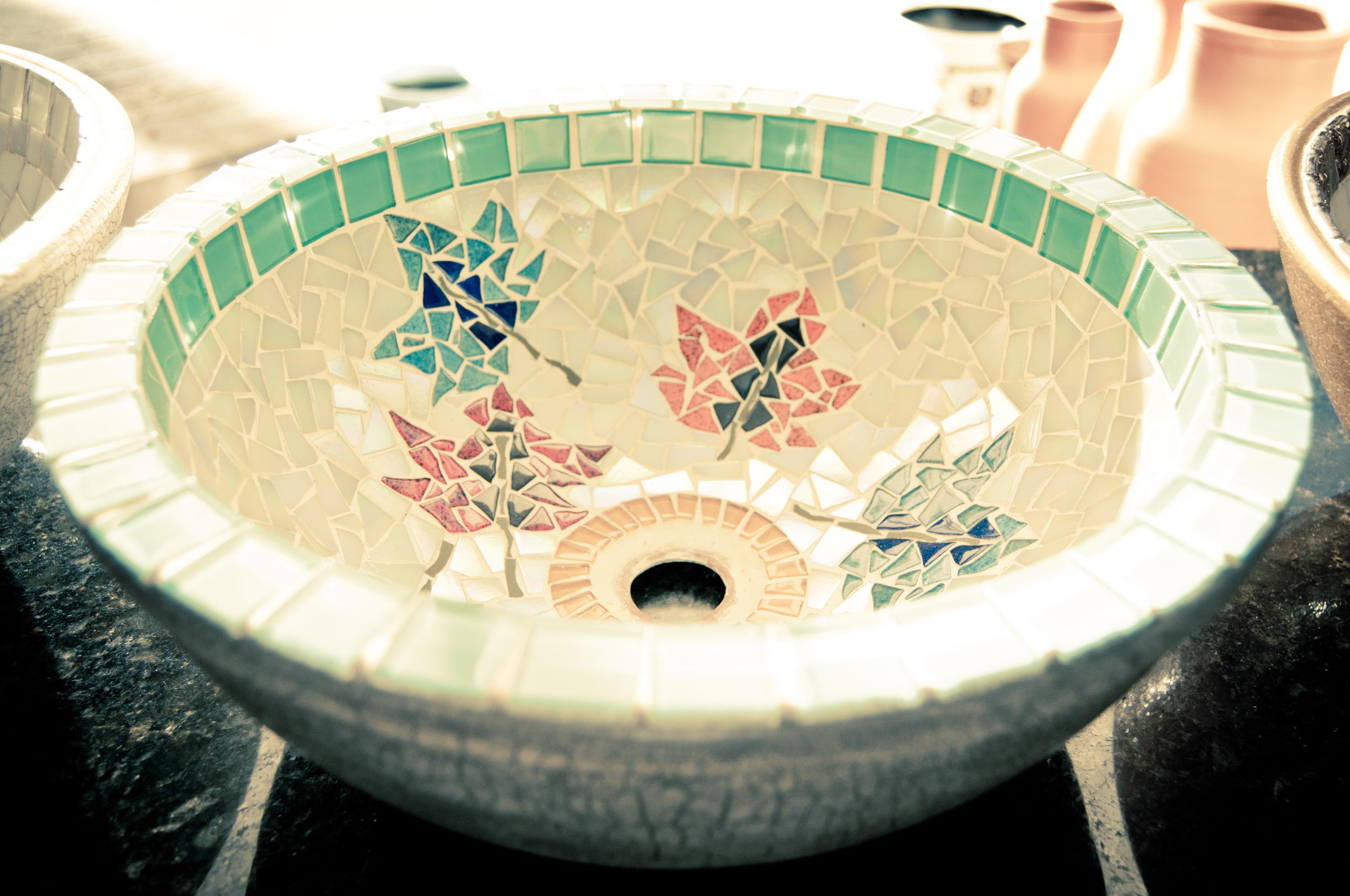CUBA PARA LAVABO BANHEIROS Ateliê de Mosaico Ronaldo Finotti  #174169 3665x2434 Banheiro De Jardim